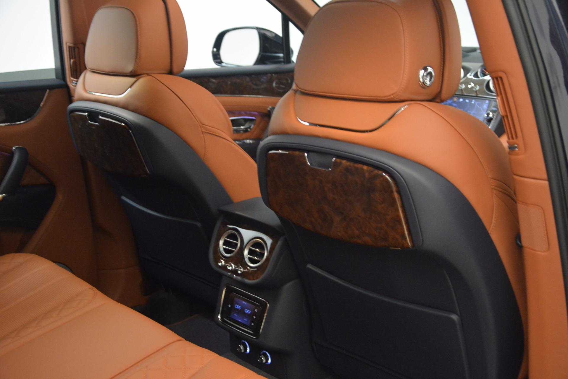 New 2018 Bentley Bentayga Signature For Sale In Greenwich, CT. Alfa Romeo of Greenwich, B1305 1675_p41