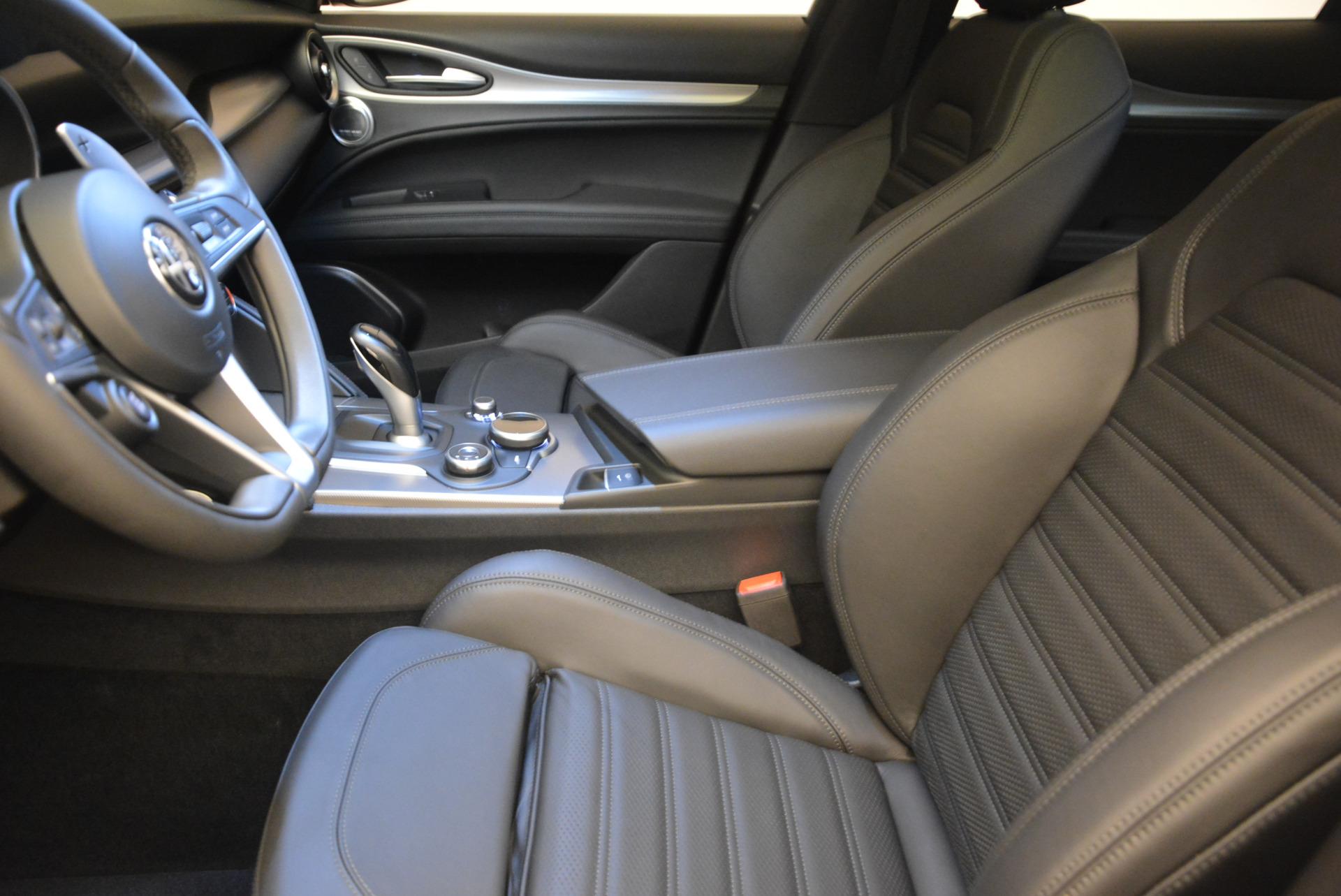 New 2018 Alfa Romeo Stelvio Ti Sport Q4 For Sale In Greenwich, CT. Alfa Romeo of Greenwich, LW065 1689_p14