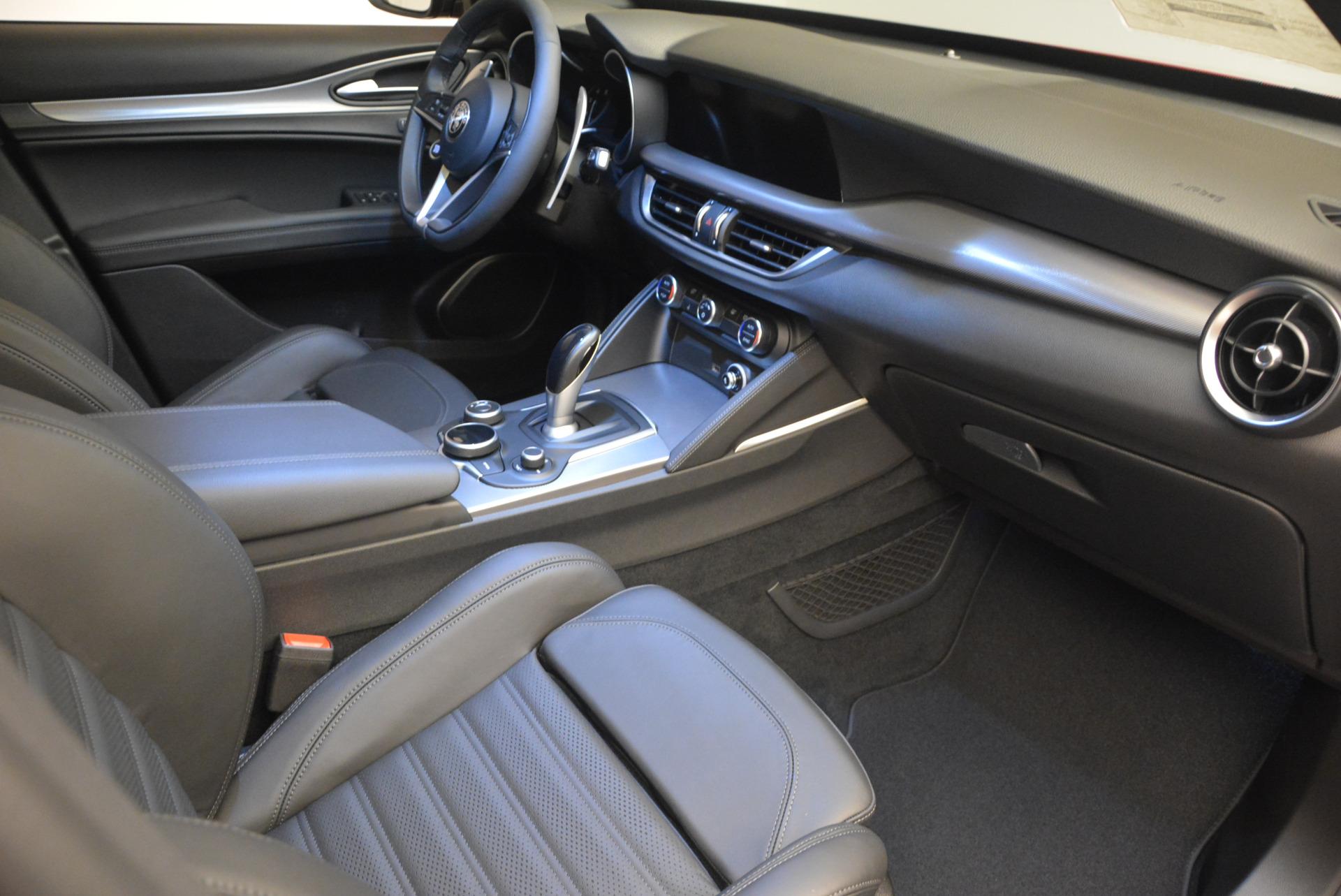 New 2018 Alfa Romeo Stelvio Ti Sport Q4 For Sale In Greenwich, CT. Alfa Romeo of Greenwich, LW065 1689_p19
