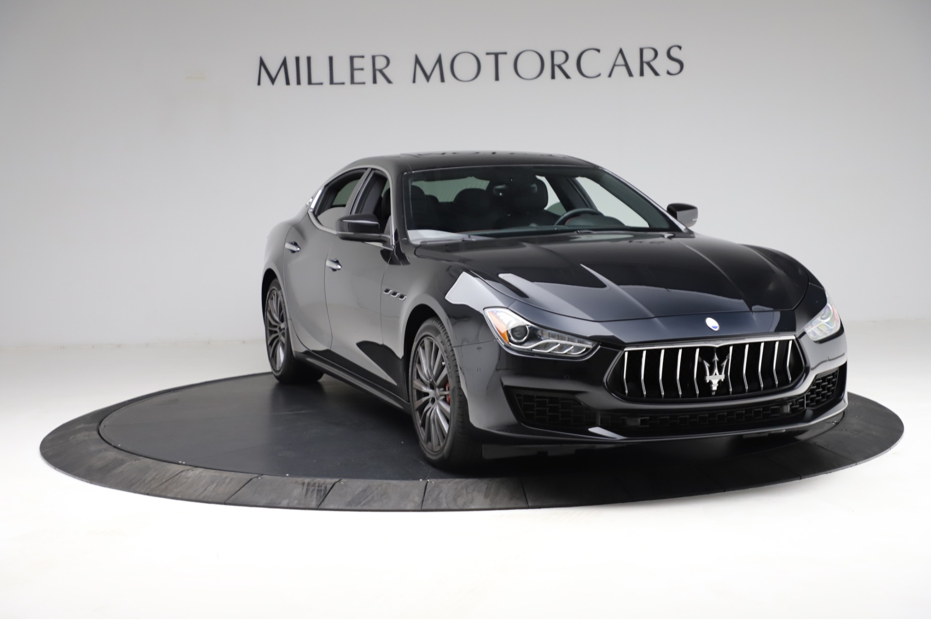 Used 2018 Maserati Ghibli S Q4 For Sale In Greenwich, CT. Alfa Romeo of Greenwich, M1957 1698_p12