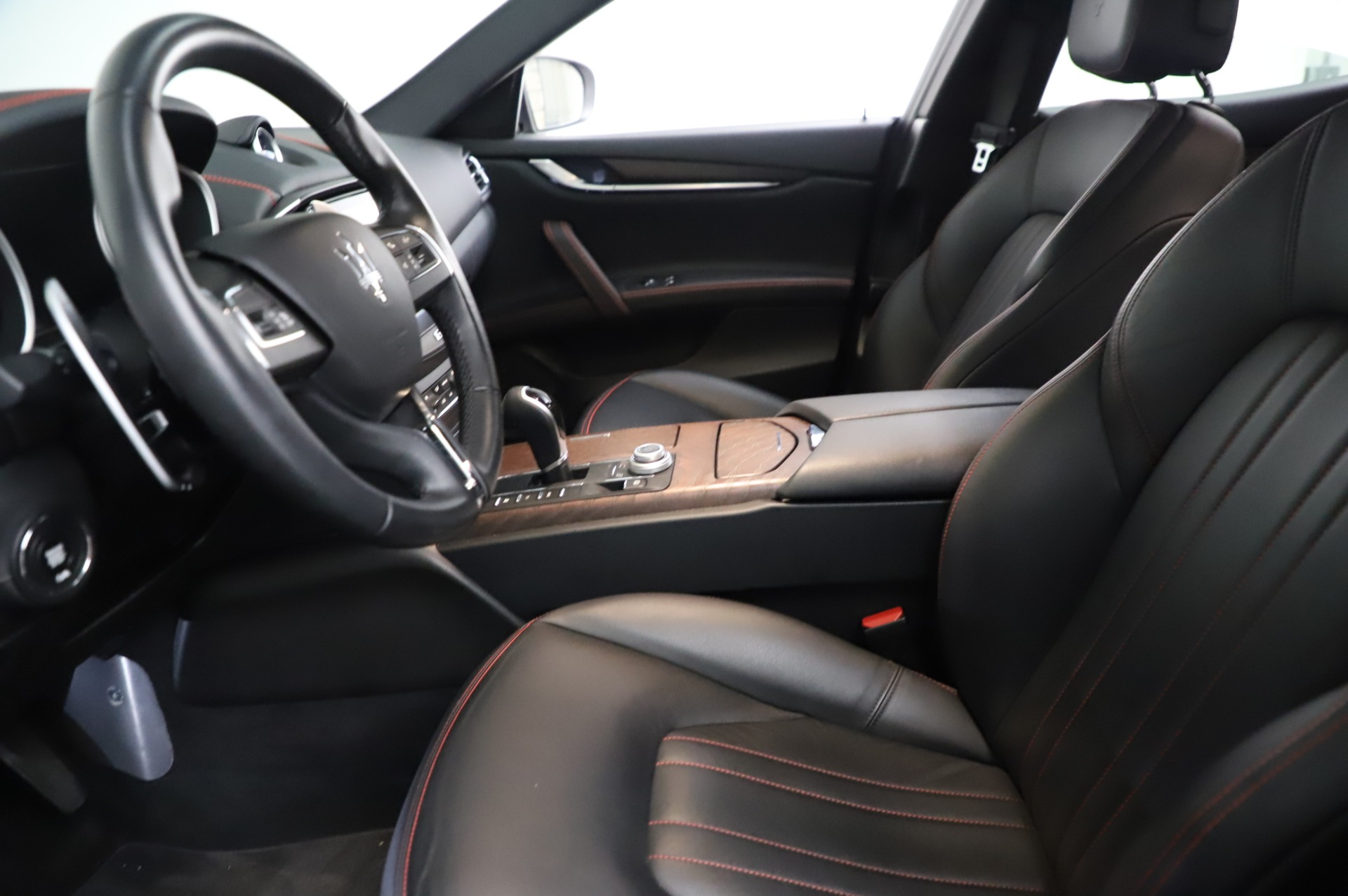 Used 2018 Maserati Ghibli S Q4 For Sale In Greenwich, CT. Alfa Romeo of Greenwich, M1957 1698_p15