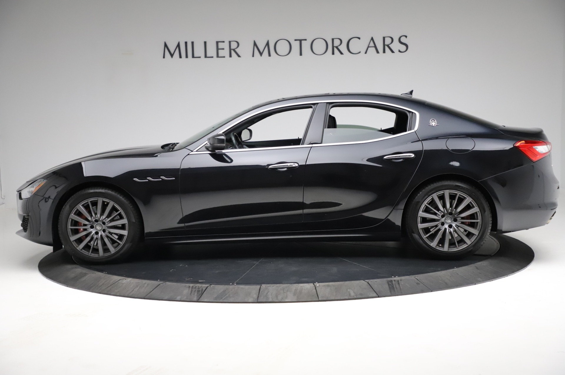 Used 2018 Maserati Ghibli S Q4 For Sale In Greenwich, CT. Alfa Romeo of Greenwich, M1957 1698_p3