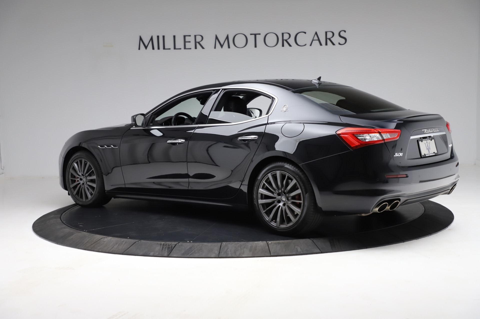 Used 2018 Maserati Ghibli S Q4 For Sale In Greenwich, CT. Alfa Romeo of Greenwich, M1957 1698_p4
