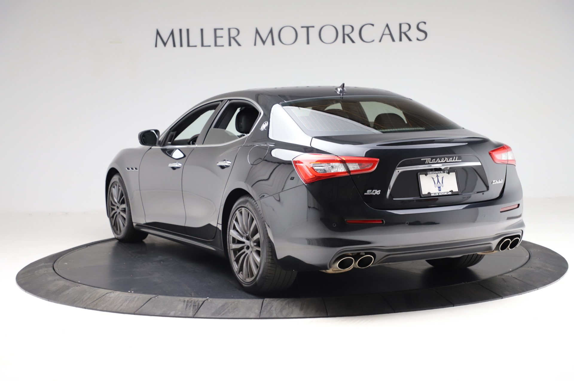 Used 2018 Maserati Ghibli S Q4 For Sale In Greenwich, CT. Alfa Romeo of Greenwich, M1957 1698_p5