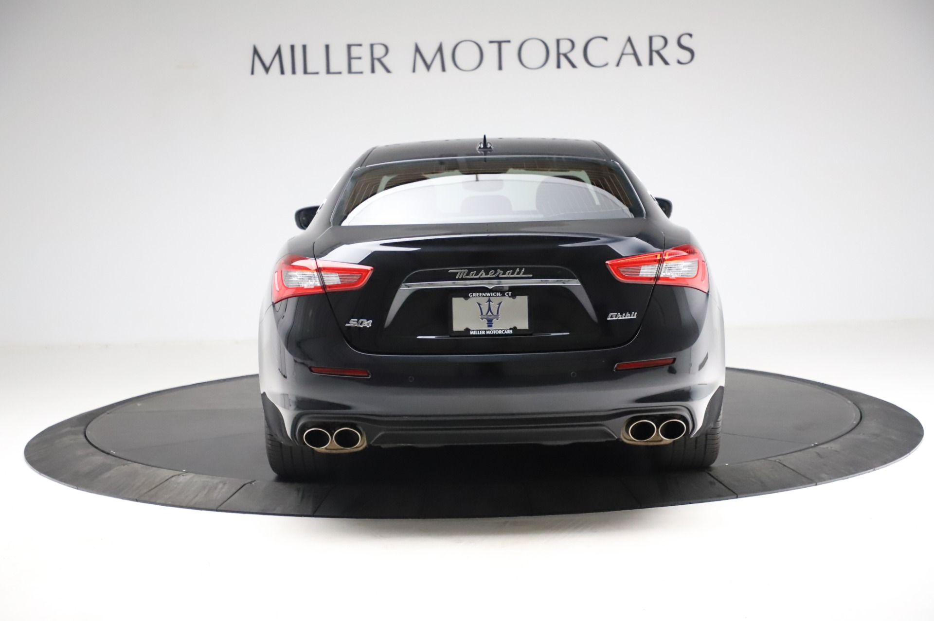 Used 2018 Maserati Ghibli S Q4 For Sale In Greenwich, CT. Alfa Romeo of Greenwich, M1957 1698_p7