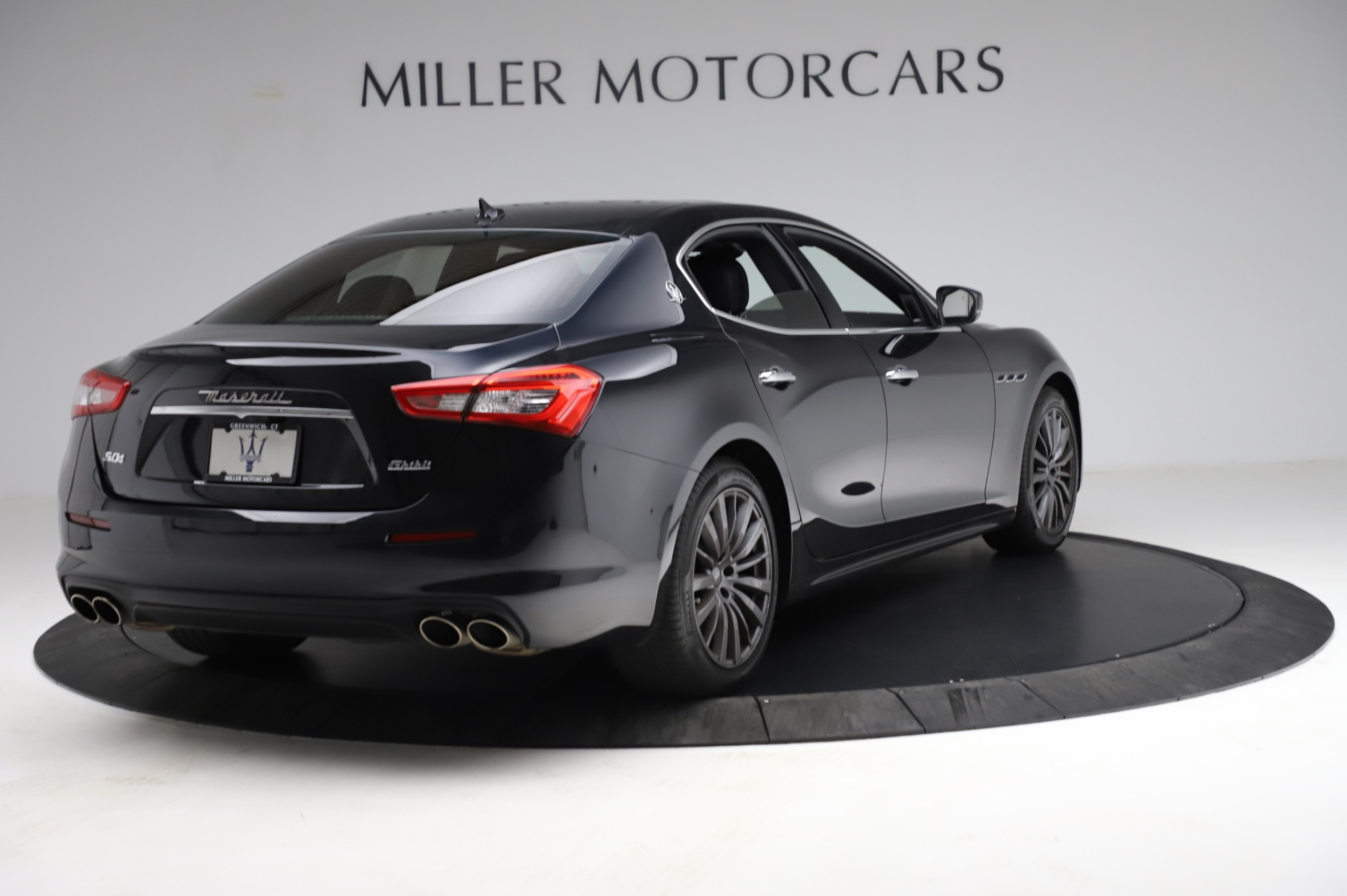 Used 2018 Maserati Ghibli S Q4 For Sale In Greenwich, CT. Alfa Romeo of Greenwich, M1957 1698_p8