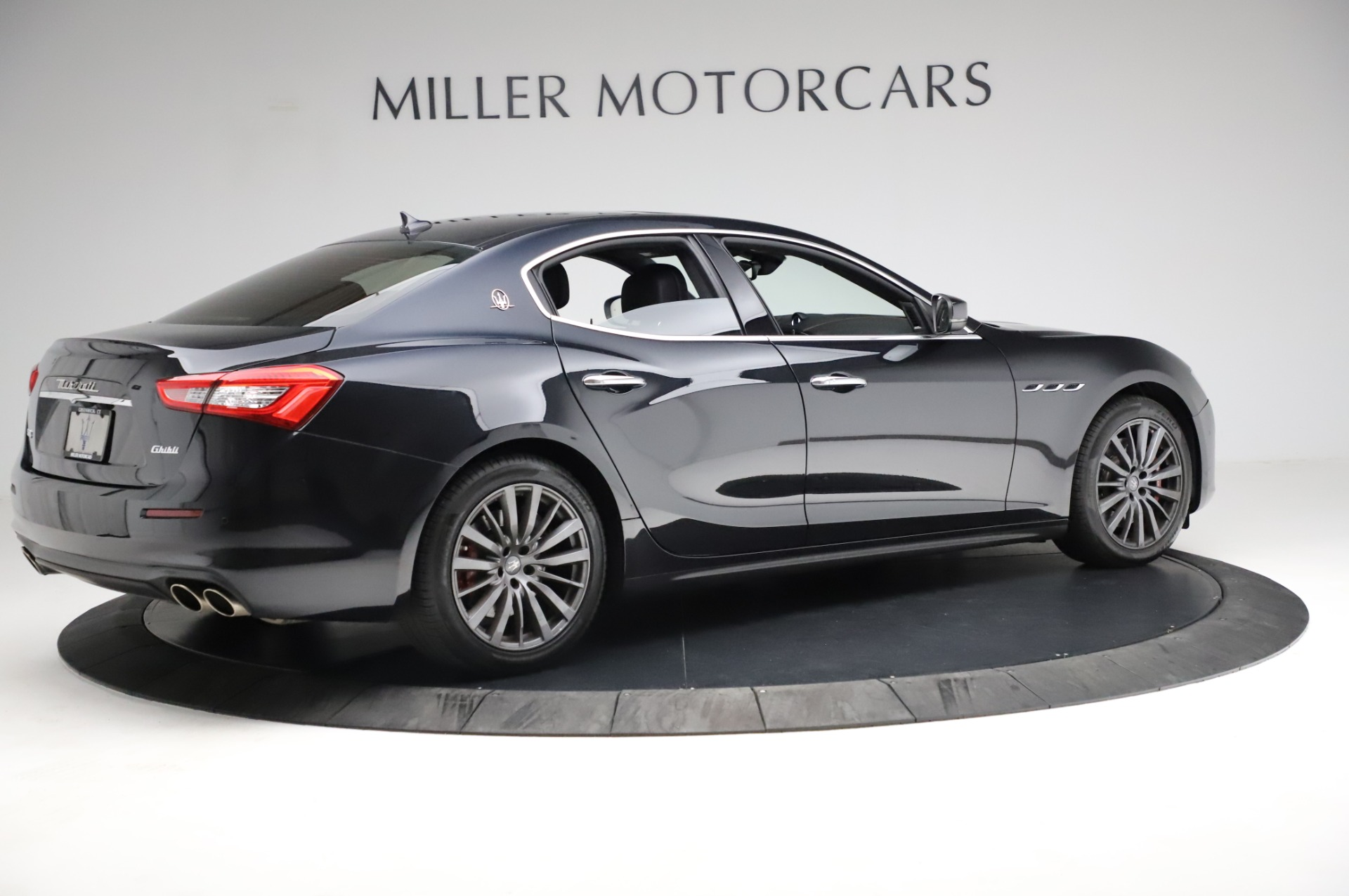 Used 2018 Maserati Ghibli S Q4 For Sale In Greenwich, CT. Alfa Romeo of Greenwich, M1957 1698_p9