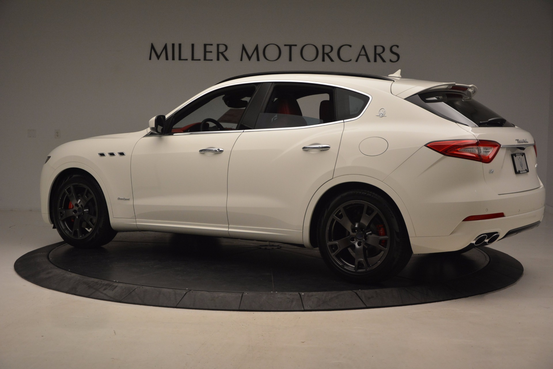 New 2018 Maserati Levante Q4 GranSport For Sale In Greenwich, CT. Alfa Romeo of Greenwich, M1952 1701_p4