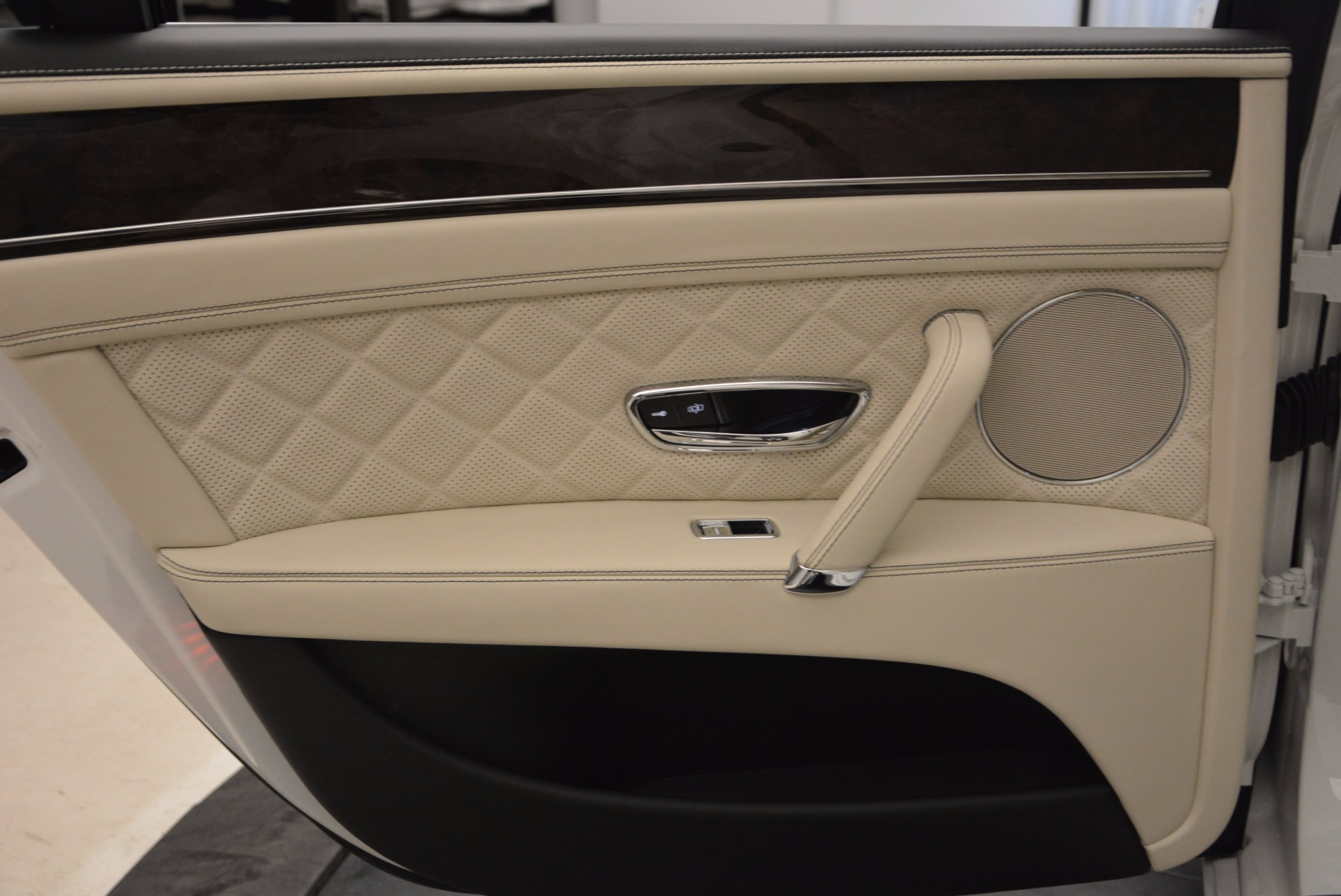 New 2017 Bentley Flying Spur W12 For Sale In Greenwich, CT. Alfa Romeo of Greenwich, B1307 1712_p31