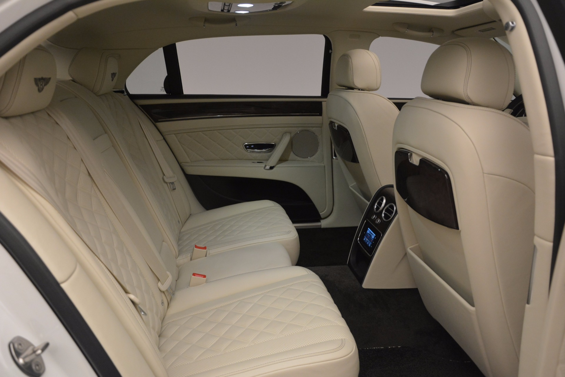 New 2017 Bentley Flying Spur W12 For Sale In Greenwich, CT. Alfa Romeo of Greenwich, B1307 1712_p41