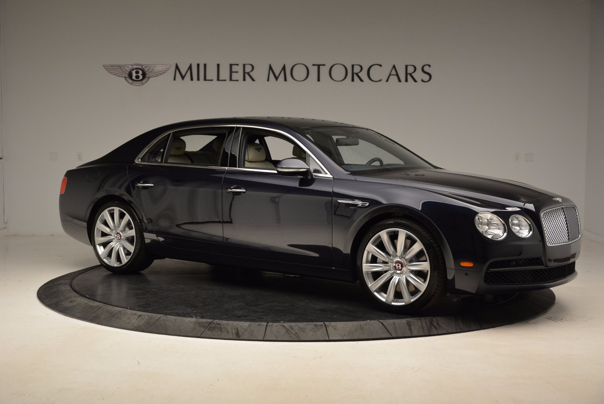 New 2017 Bentley Flying Spur V8 For Sale In Greenwich, CT. Alfa Romeo of Greenwich, B1308 1713_p10