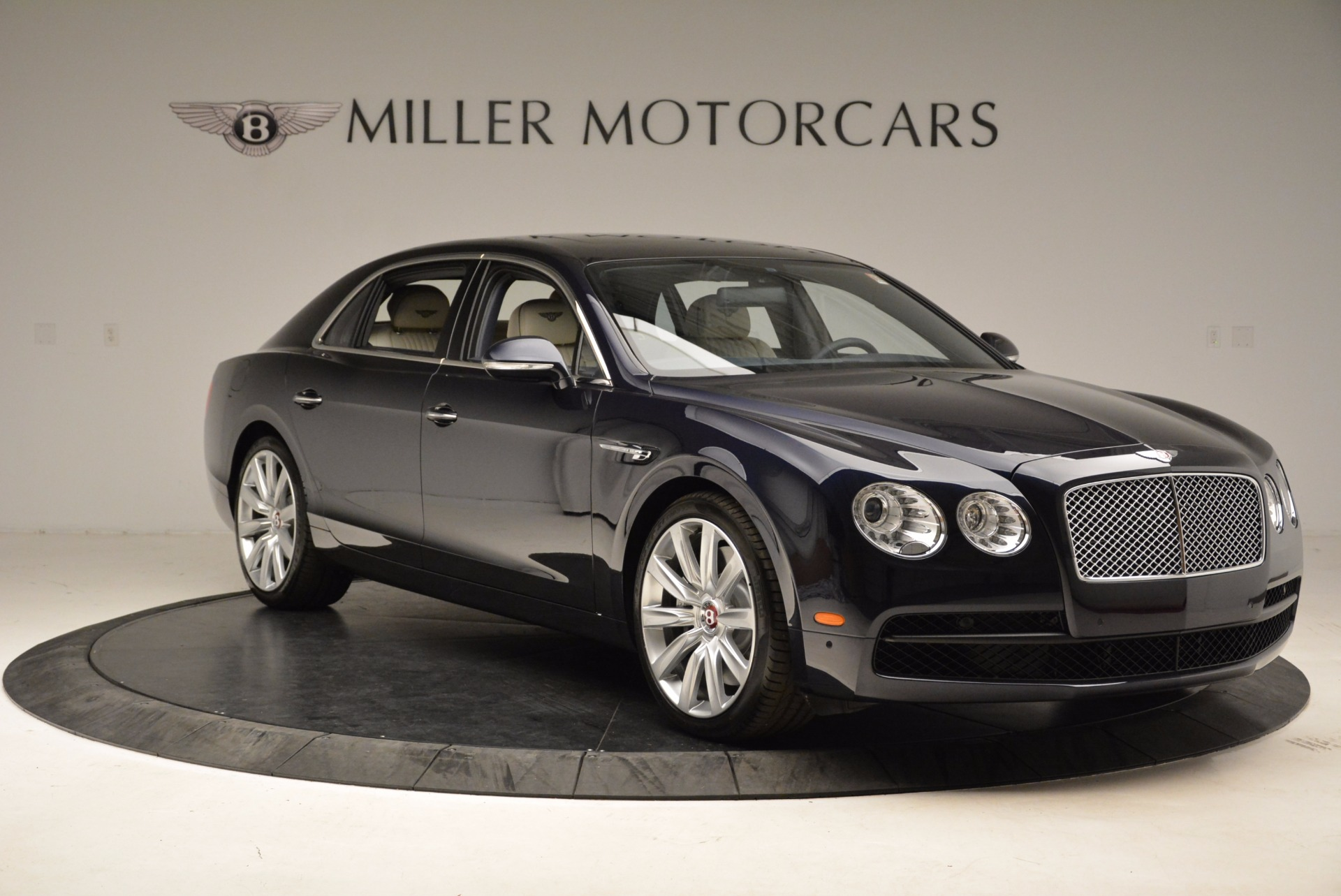 New 2017 Bentley Flying Spur V8 For Sale In Greenwich, CT. Alfa Romeo of Greenwich, B1308 1713_p11