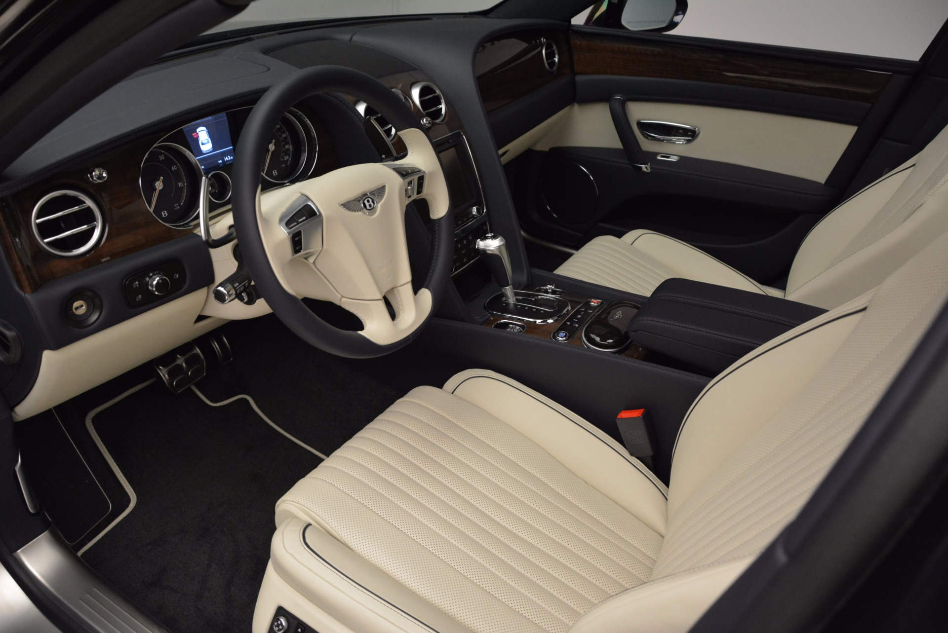 New 2017 Bentley Flying Spur V8 For Sale In Greenwich, CT. Alfa Romeo of Greenwich, B1308 1713_p17