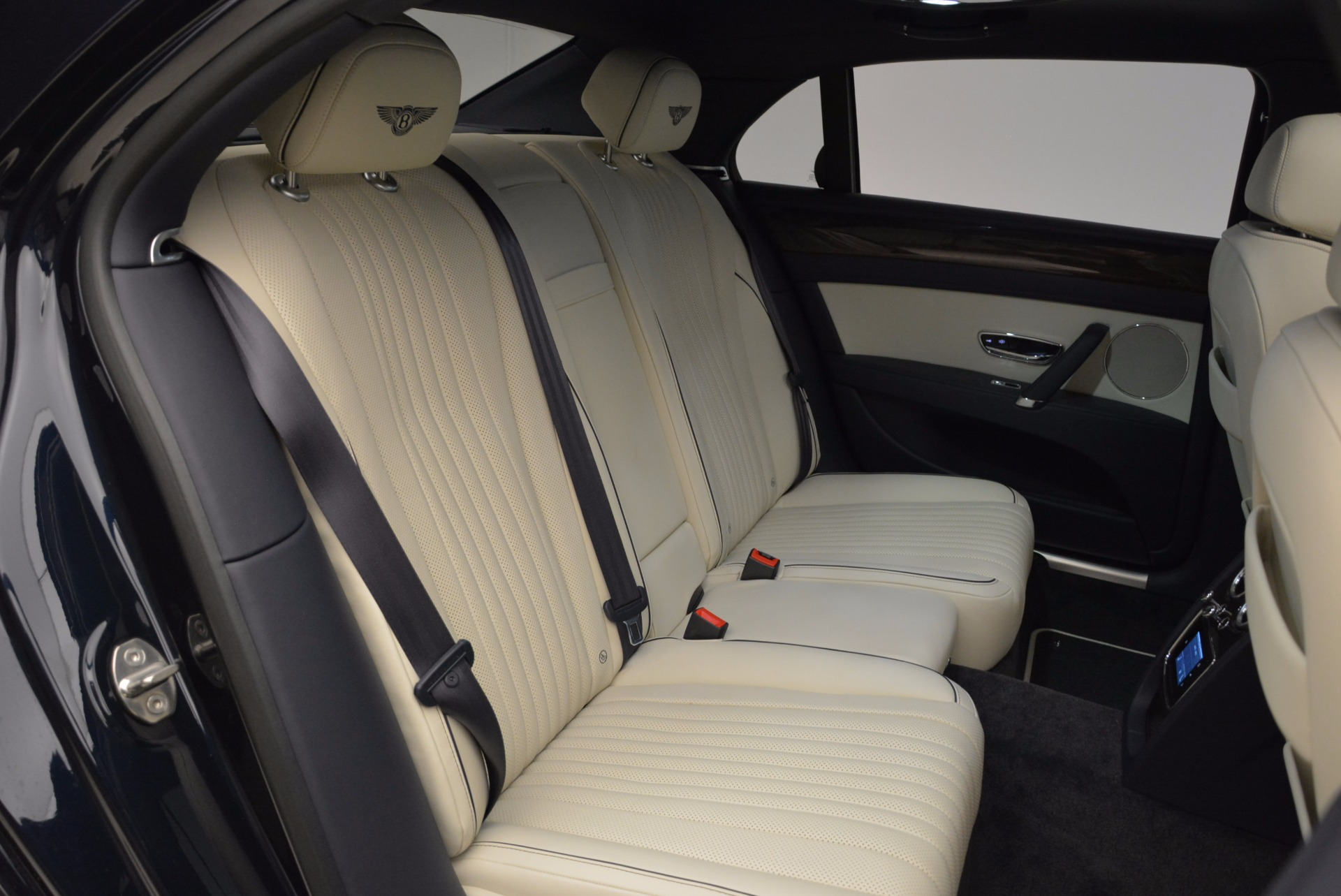 New 2017 Bentley Flying Spur V8 For Sale In Greenwich, CT. Alfa Romeo of Greenwich, B1308 1713_p32