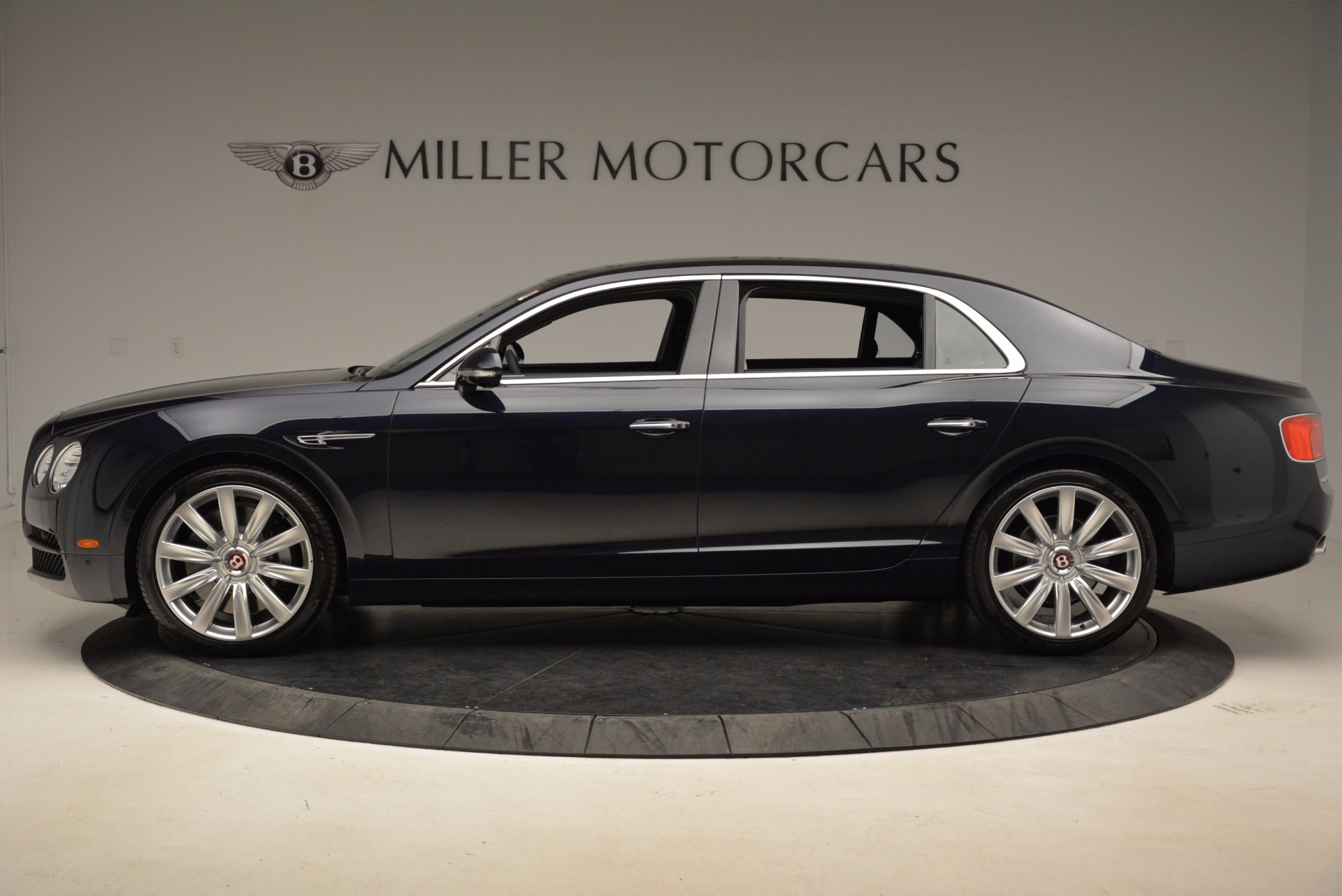 New 2017 Bentley Flying Spur V8 For Sale In Greenwich, CT. Alfa Romeo of Greenwich, B1308 1713_p3