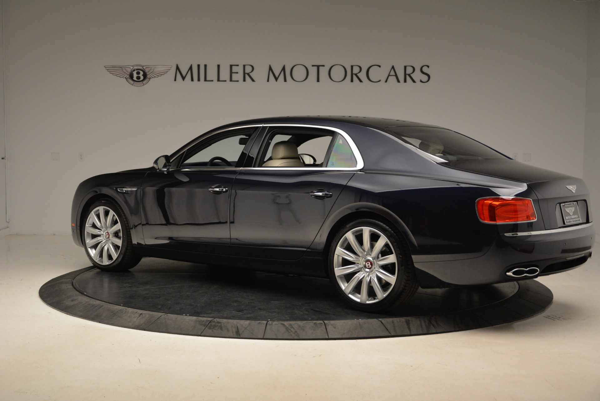 New 2017 Bentley Flying Spur V8 For Sale In Greenwich, CT. Alfa Romeo of Greenwich, B1308 1713_p4