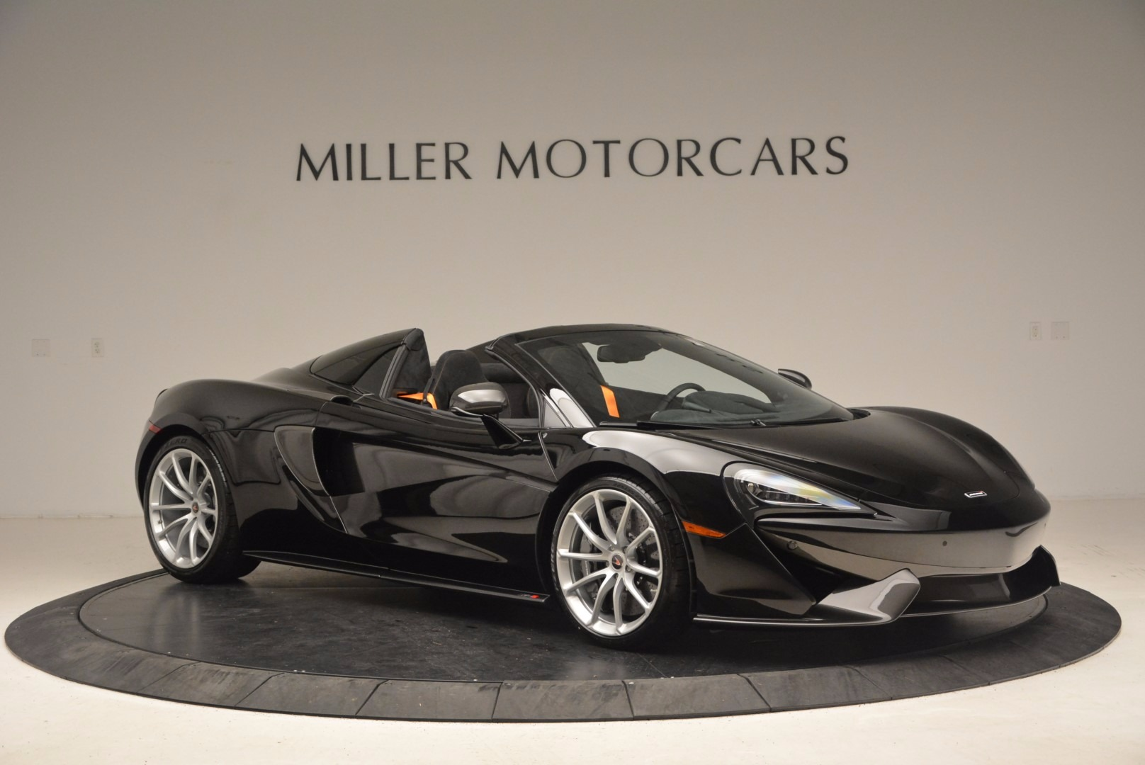 Used 2018 McLaren 570S Spider For Sale In Greenwich, CT. Alfa Romeo of Greenwich, MC323 1716_p10