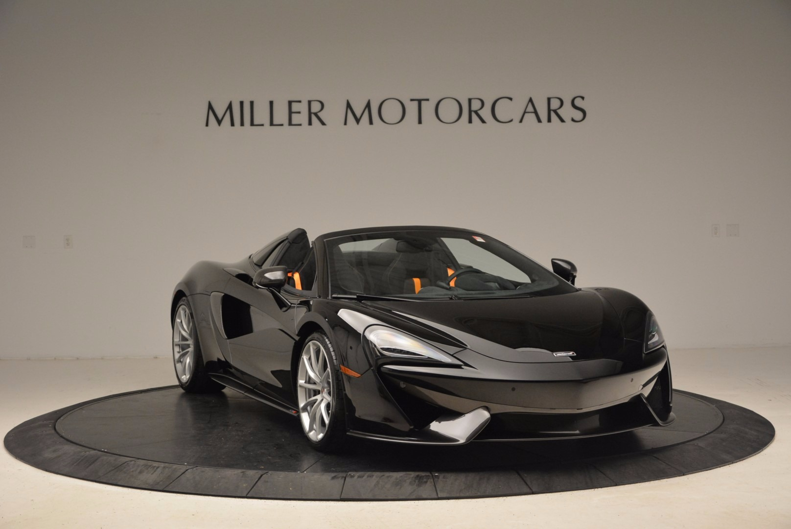 Used 2018 McLaren 570S Spider For Sale In Greenwich, CT. Alfa Romeo of Greenwich, MC323 1716_p11