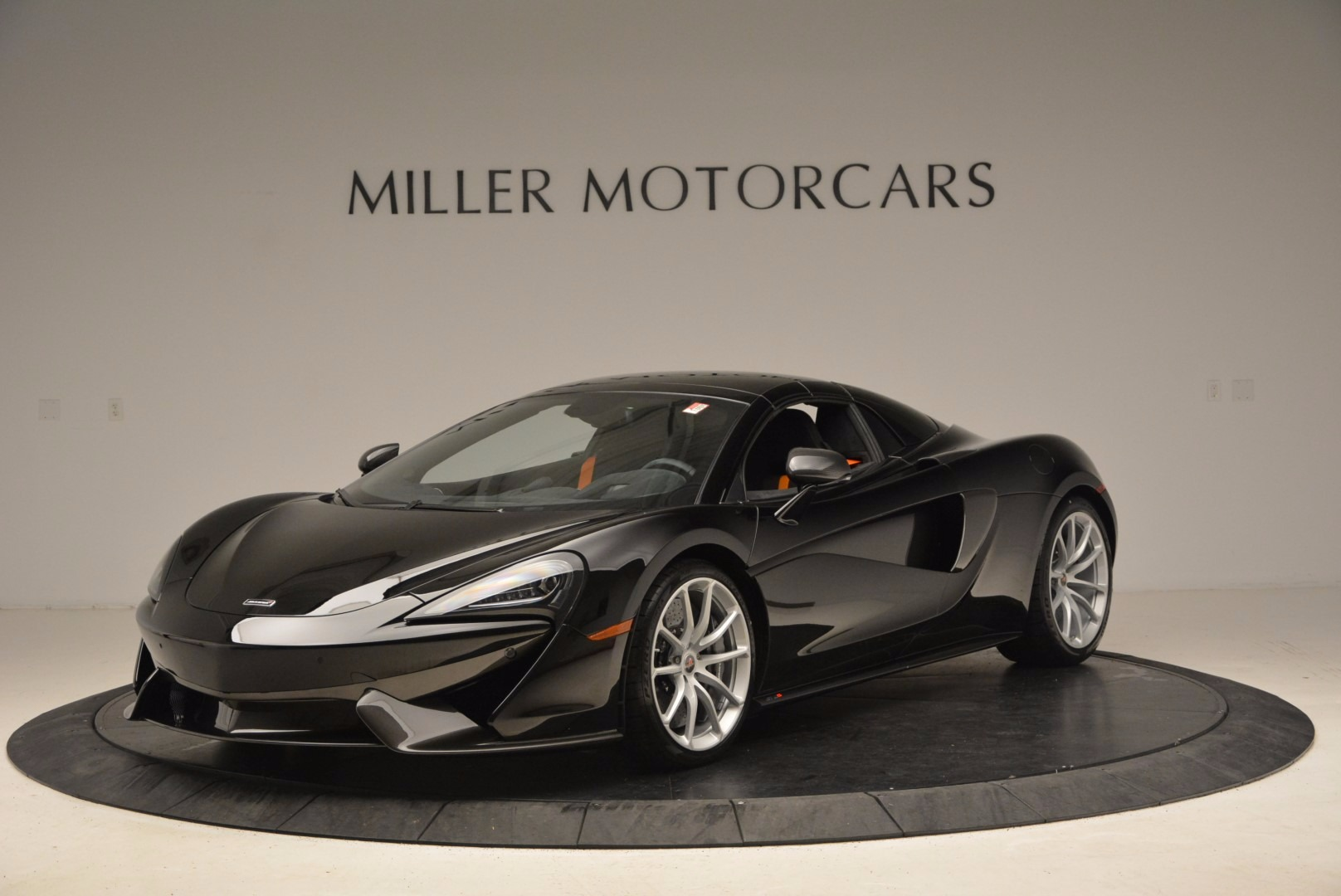 Used 2018 McLaren 570S Spider For Sale In Greenwich, CT. Alfa Romeo of Greenwich, MC323 1716_p13