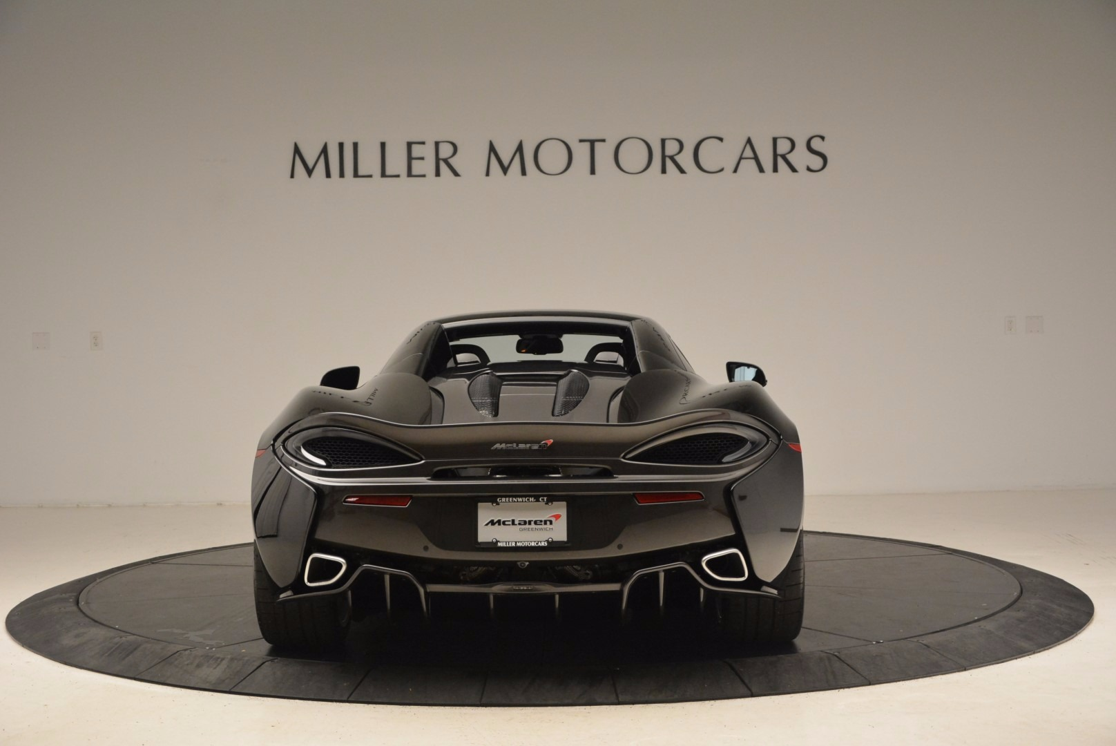 Used 2018 McLaren 570S Spider For Sale In Greenwich, CT. Alfa Romeo of Greenwich, MC323 1716_p16