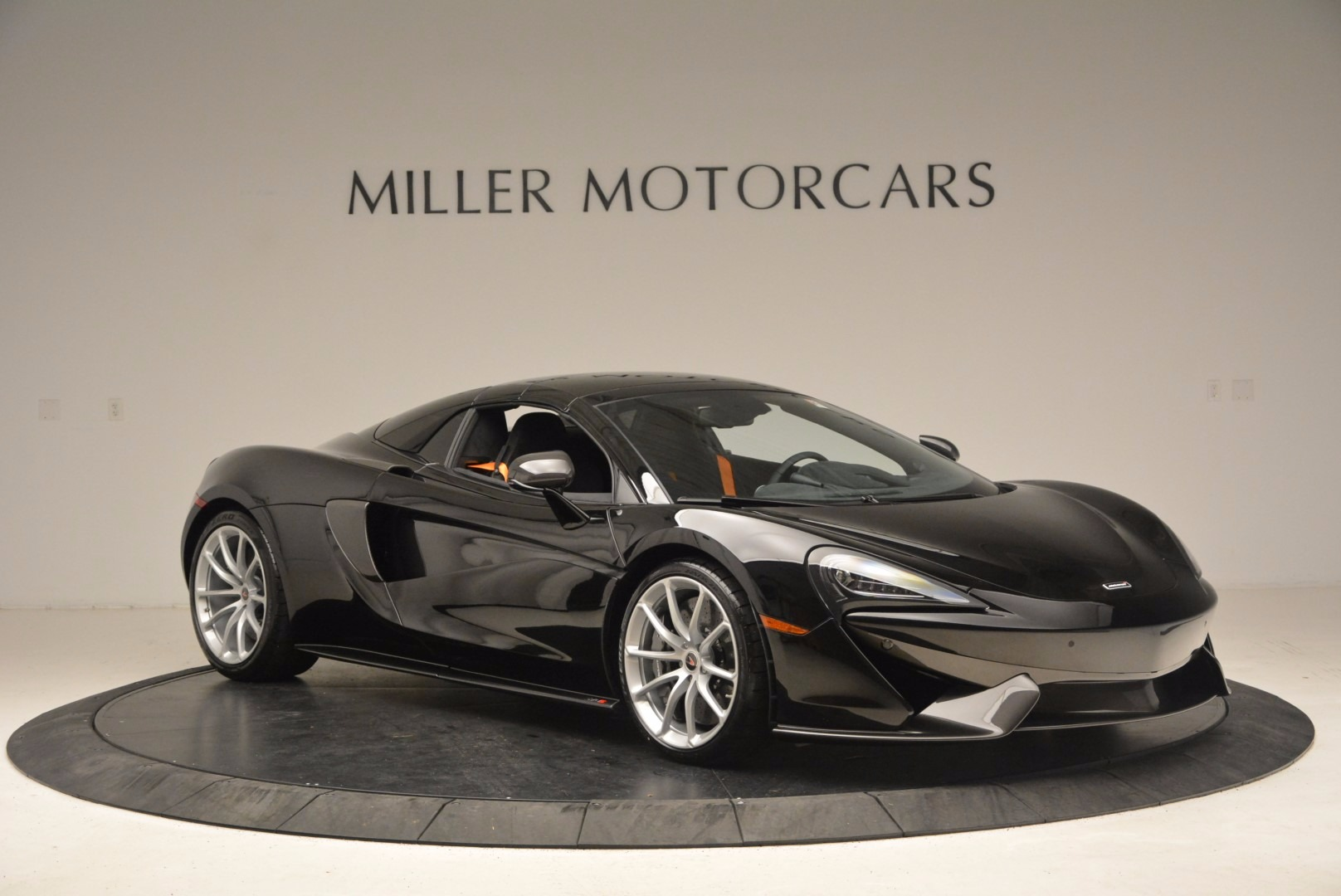Used 2018 McLaren 570S Spider For Sale In Greenwich, CT. Alfa Romeo of Greenwich, MC323 1716_p19