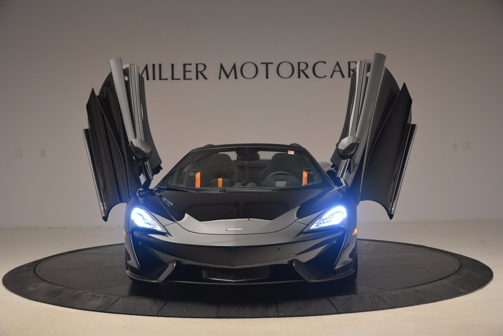 Used 2018 McLaren 570S Spider For Sale In Greenwich, CT. Alfa Romeo of Greenwich, MC323 1716_p21