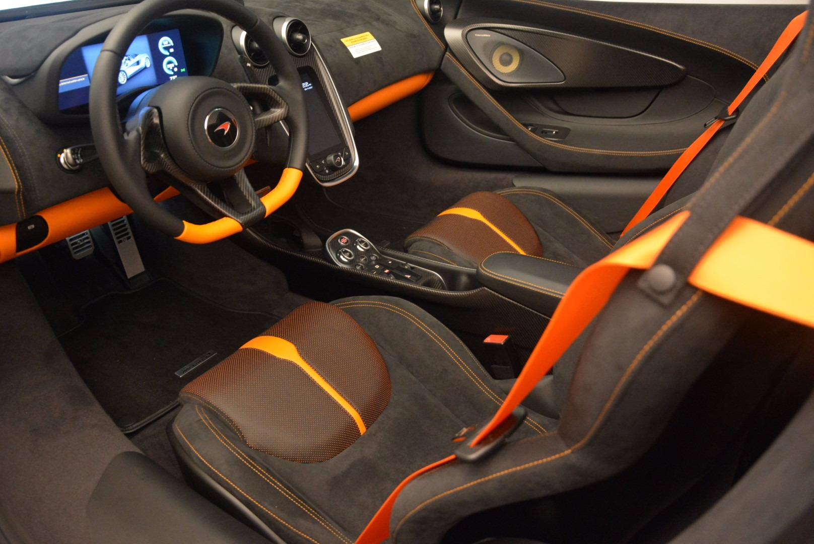 Used 2018 McLaren 570S Spider For Sale In Greenwich, CT. Alfa Romeo of Greenwich, MC323 1716_p25