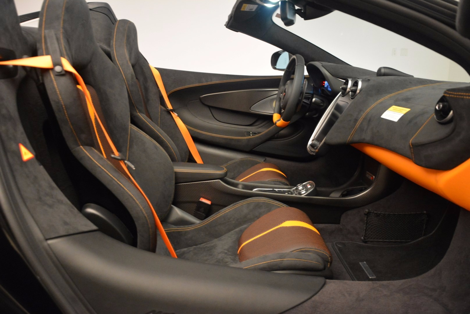 Used 2018 McLaren 570S Spider For Sale In Greenwich, CT. Alfa Romeo of Greenwich, MC323 1716_p28