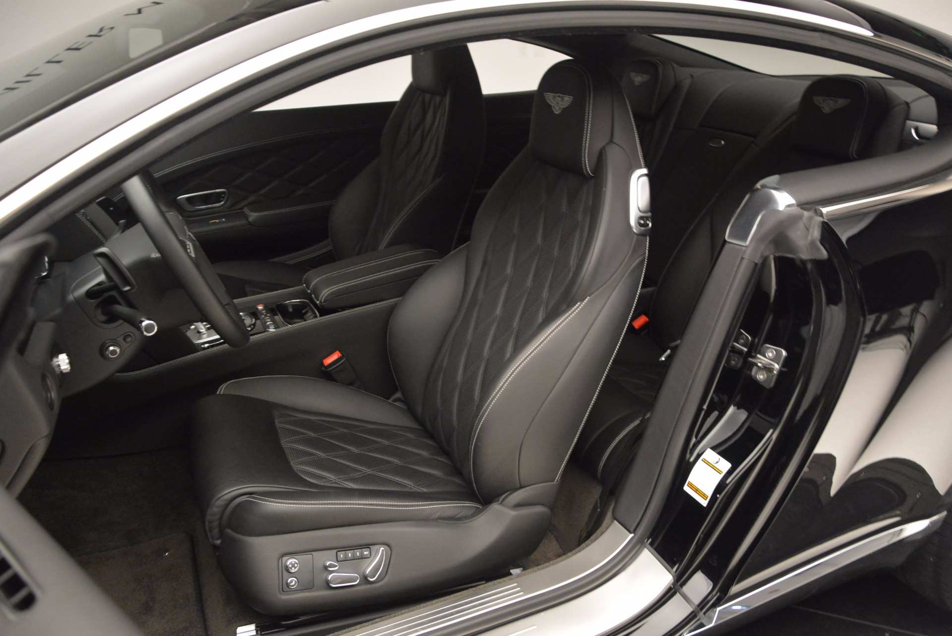 Used 2012 Bentley Continental GT W12 For Sale In Greenwich, CT. Alfa Romeo of Greenwich, 7409 1717_p17