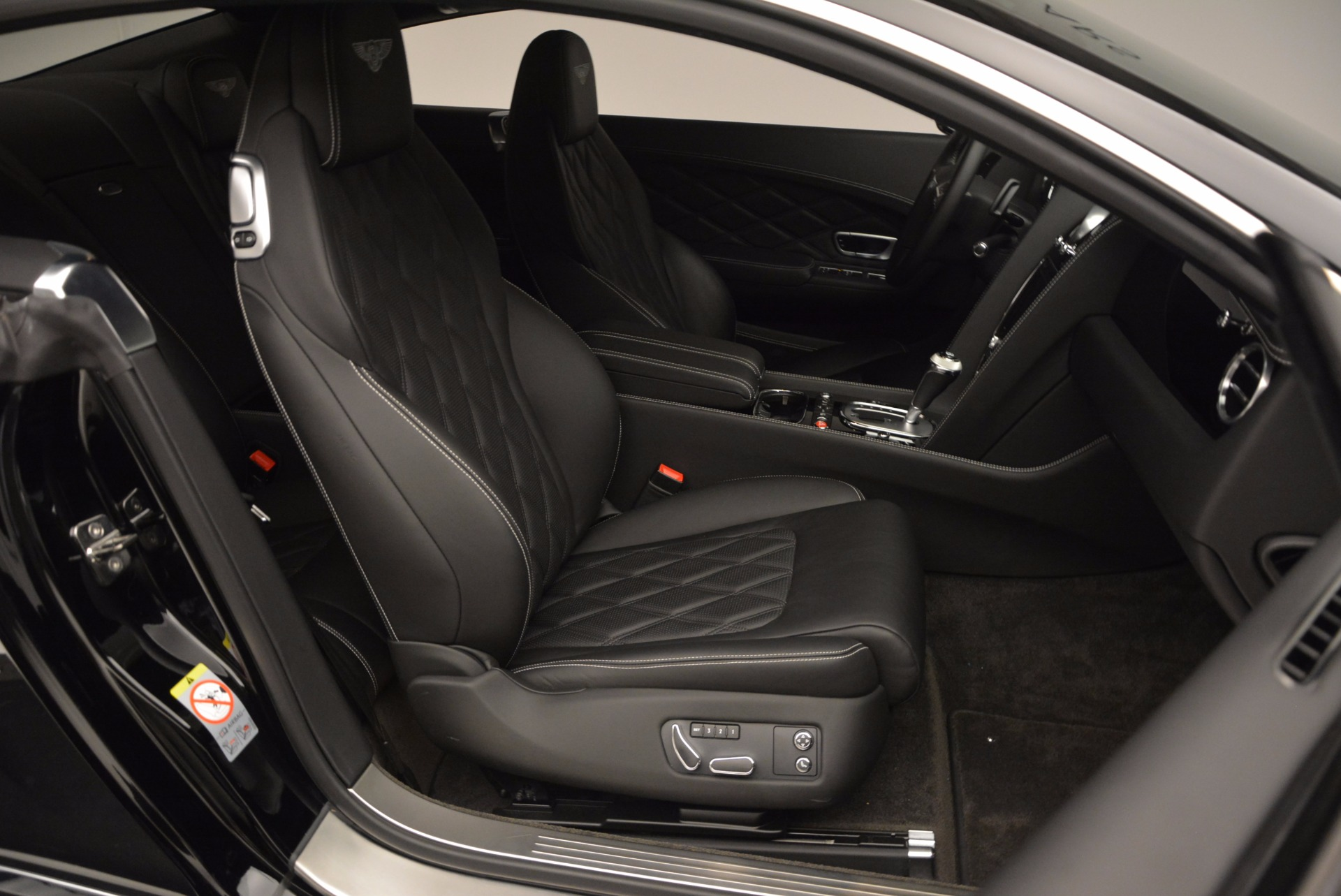 Used 2012 Bentley Continental GT W12 For Sale In Greenwich, CT. Alfa Romeo of Greenwich, 7409 1717_p30
