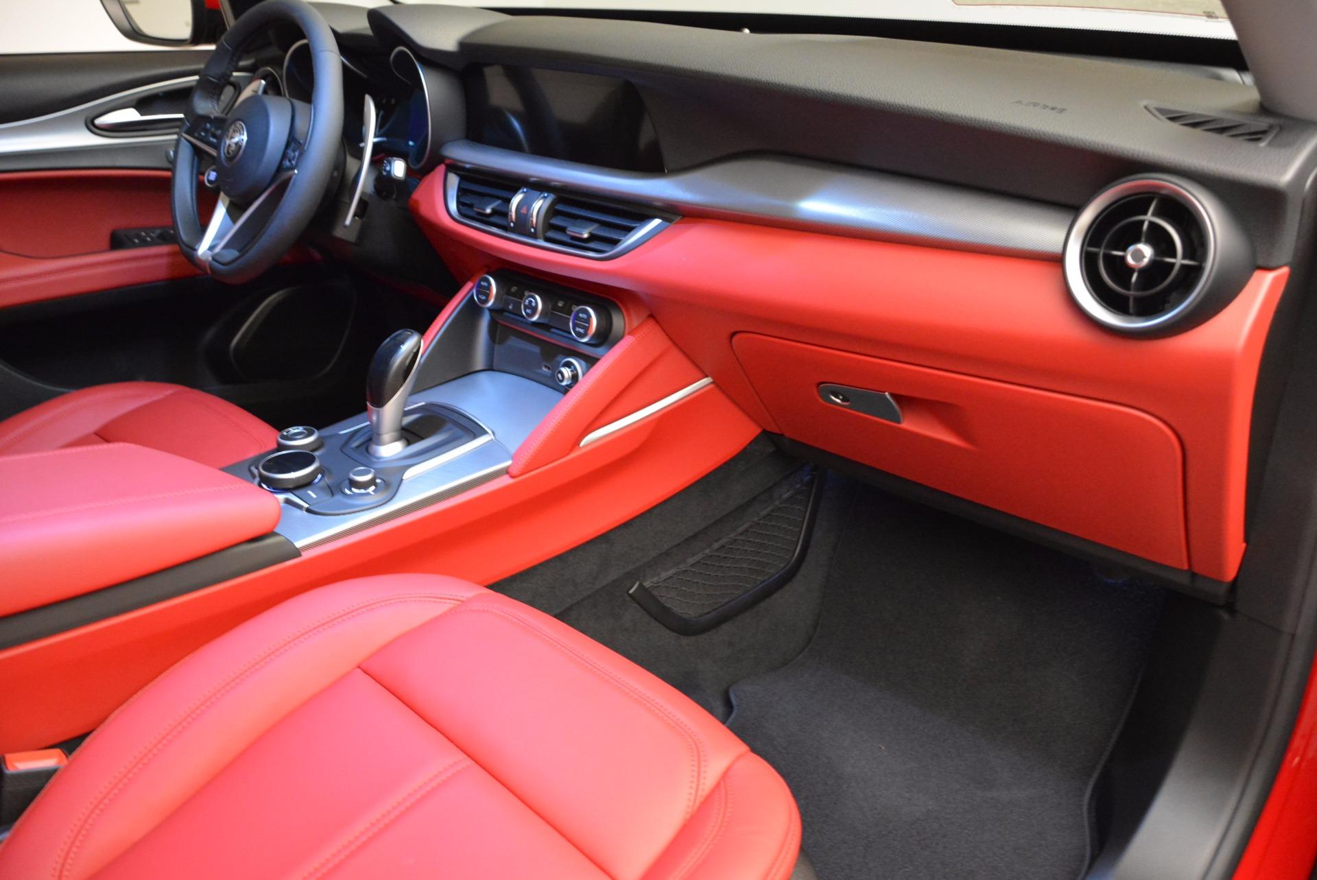 New 2018 Alfa Romeo Stelvio Sport Q4 For Sale In Greenwich, CT. Alfa Romeo of Greenwich, L274 1725_p19