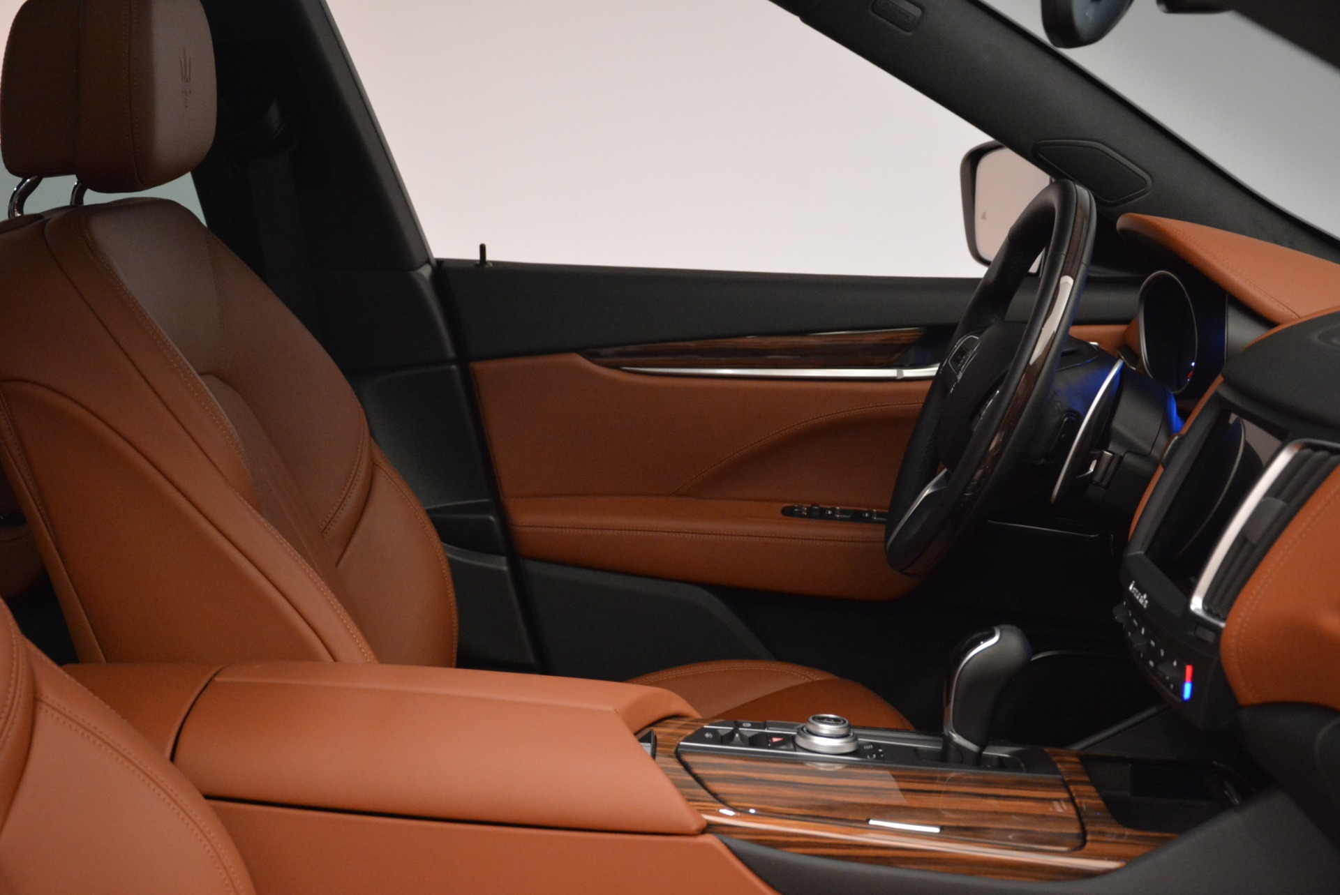 New 2018 Maserati Levante Q4 GranLusso For Sale In Greenwich, CT. Alfa Romeo of Greenwich, M1967 1730_p18
