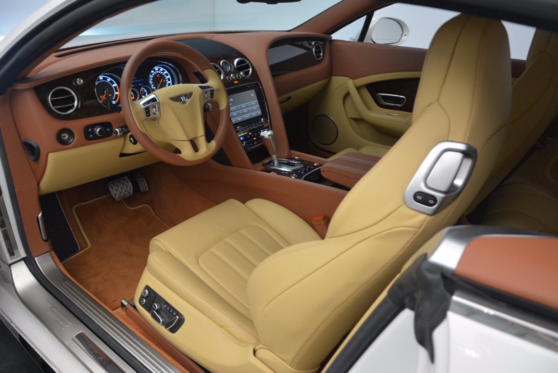 Used 2014 Bentley Continental GT V8 S For Sale In Greenwich, CT. Alfa Romeo of Greenwich, B1306A 1733_p23