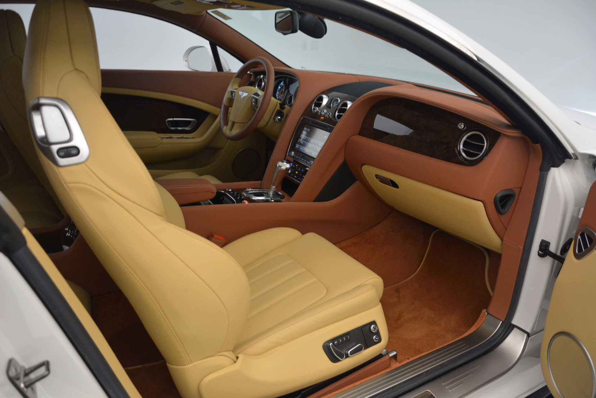 Used 2014 Bentley Continental GT V8 S For Sale In Greenwich, CT. Alfa Romeo of Greenwich, B1306A 1733_p40