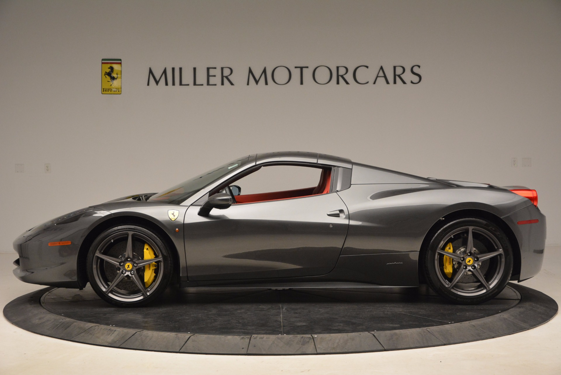 Used 2014 Ferrari 458 Spider  For Sale In Greenwich, CT. Alfa Romeo of Greenwich, 4432 1734_p15