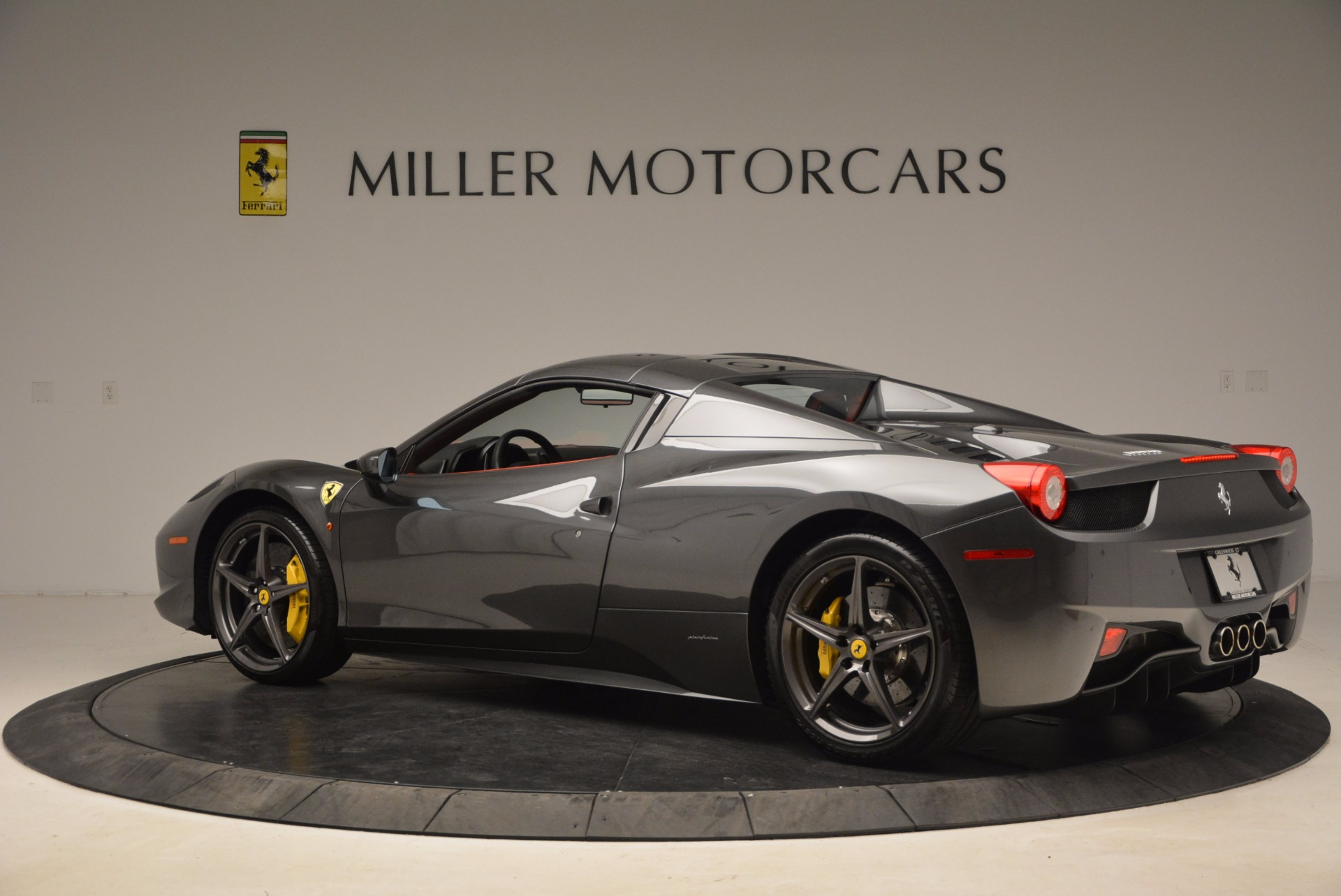 Used 2014 Ferrari 458 Spider  For Sale In Greenwich, CT. Alfa Romeo of Greenwich, 4432 1734_p16