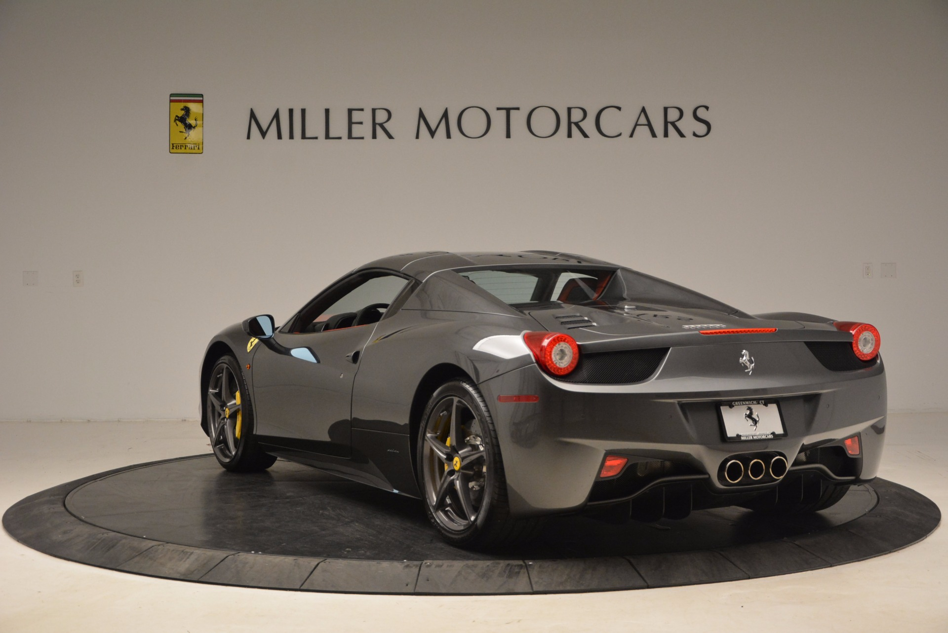 Used 2014 Ferrari 458 Spider  For Sale In Greenwich, CT. Alfa Romeo of Greenwich, 4432 1734_p17