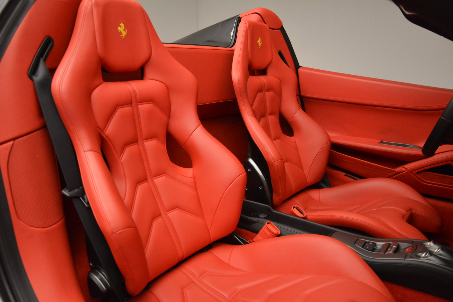 Used 2014 Ferrari 458 Spider  For Sale In Greenwich, CT. Alfa Romeo of Greenwich, 4432 1734_p31
