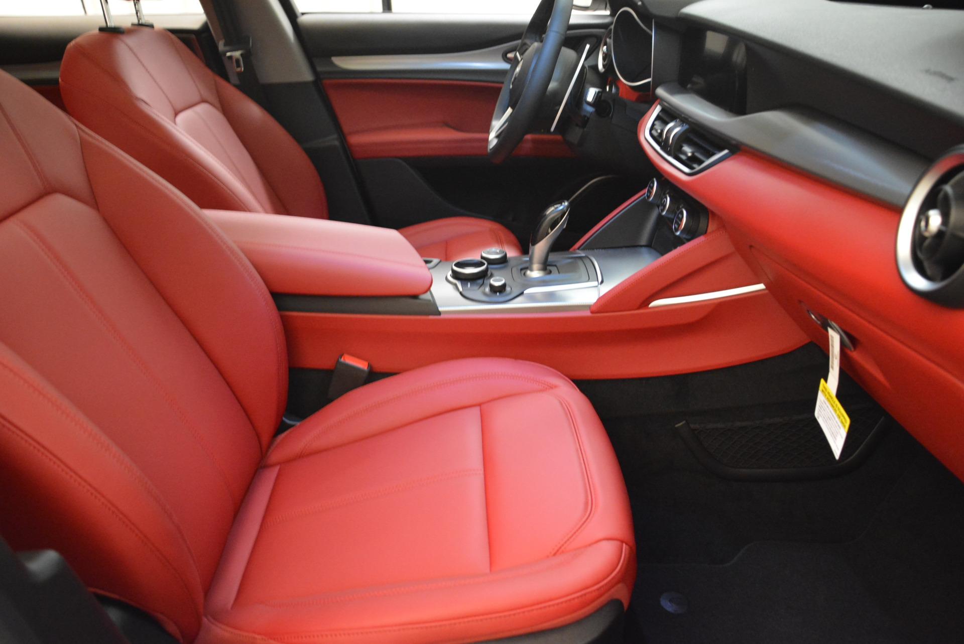 New 2018 Alfa Romeo Stelvio Sport Q4 For Sale In Greenwich, CT. Alfa Romeo of Greenwich, LW081 1738_p20