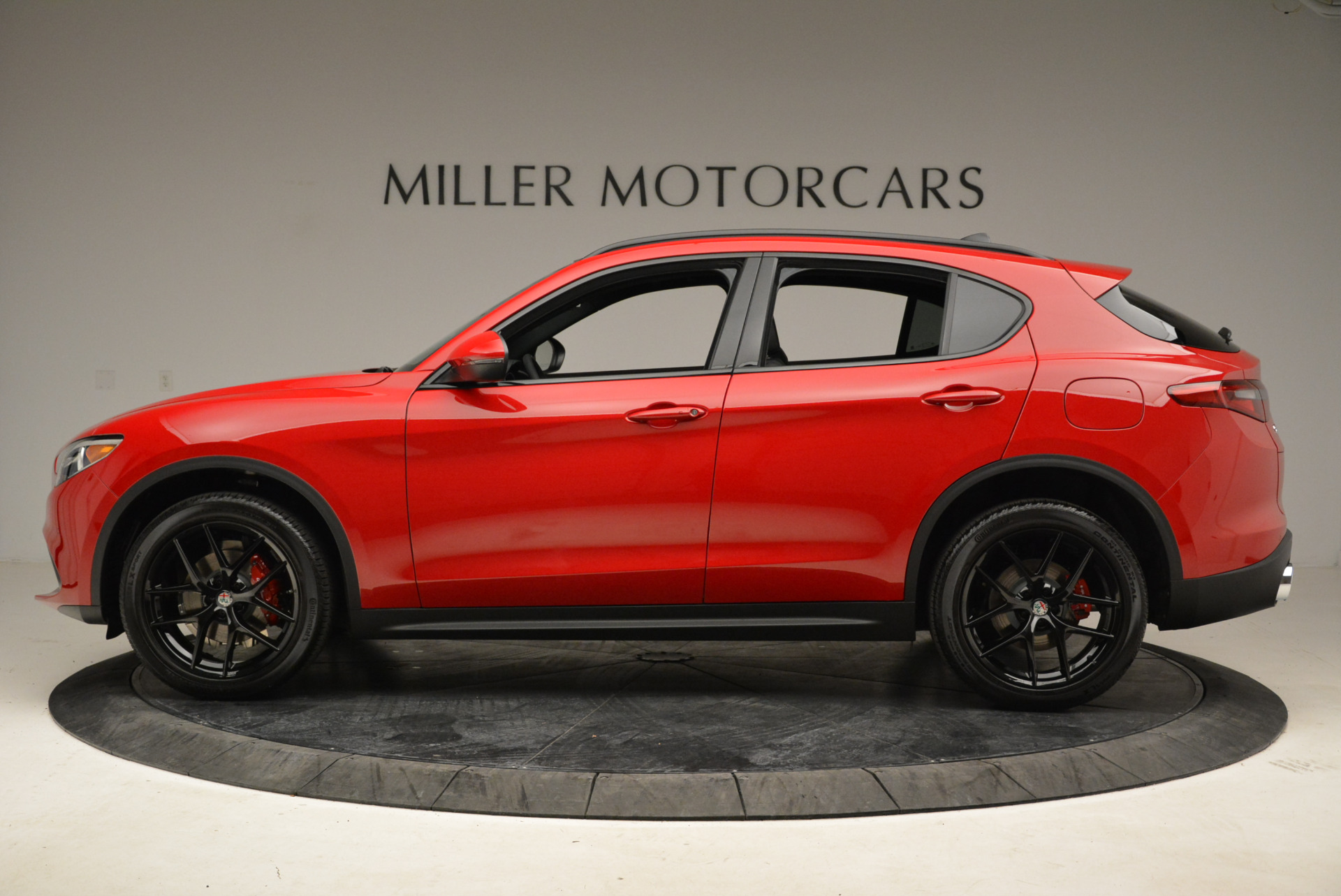 New 2018 Alfa Romeo Stelvio Ti Sport Q4 For Sale In Greenwich, CT. Alfa Romeo of Greenwich, L295 1742_p3