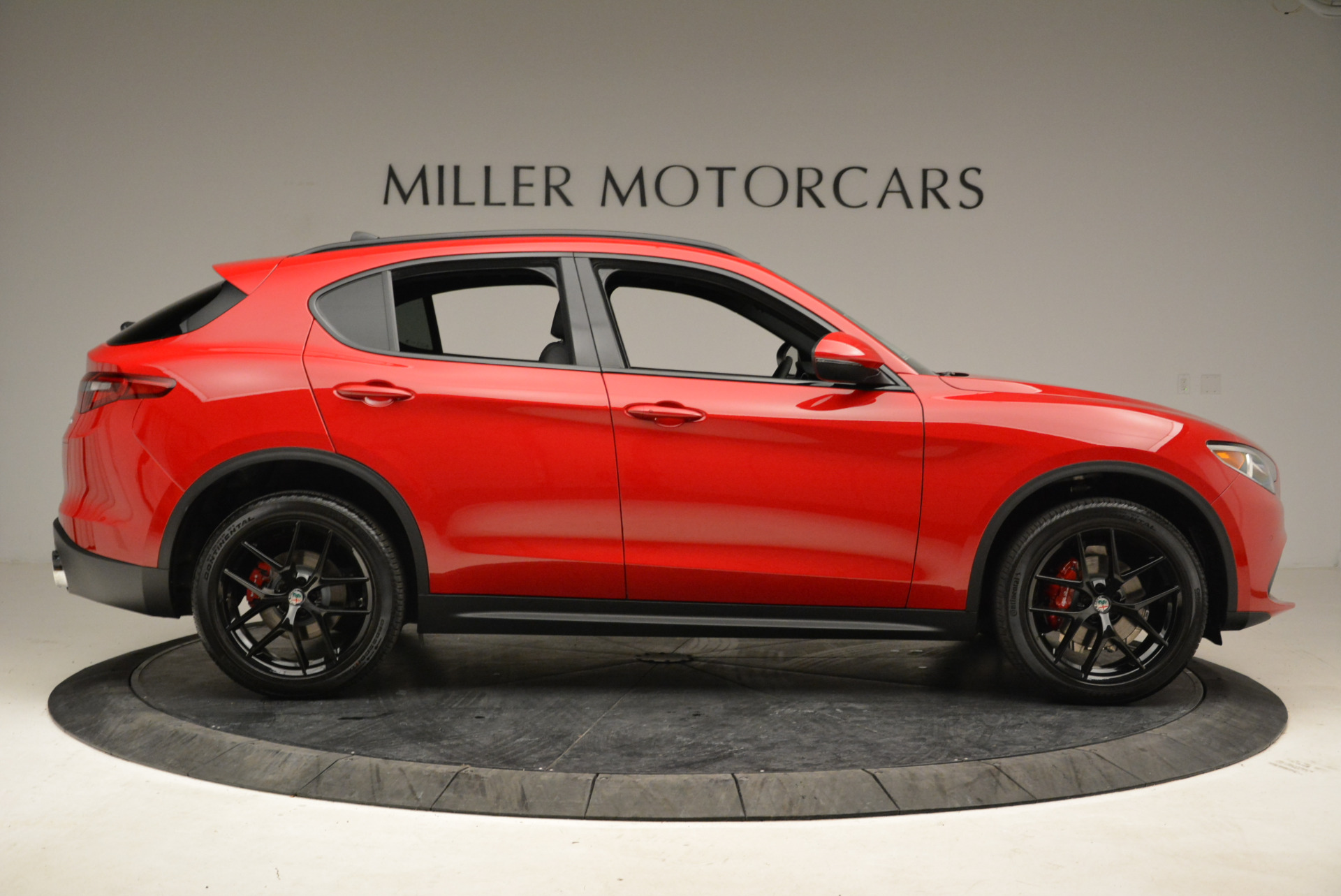 New 2018 Alfa Romeo Stelvio Ti Sport Q4 For Sale In Greenwich, CT. Alfa Romeo of Greenwich, L295 1742_p9
