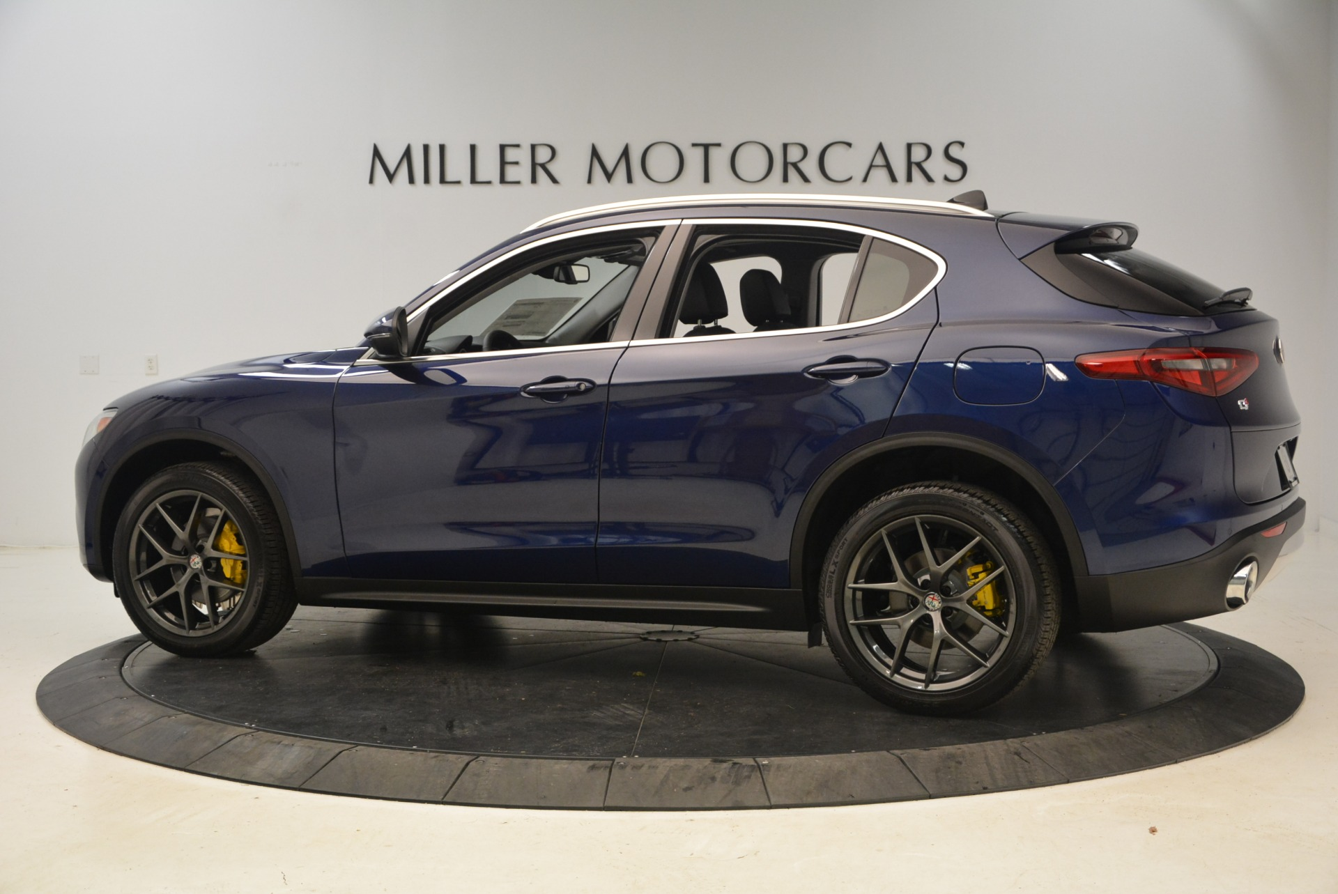 New 2018 Alfa Romeo Stelvio Sport Q4 For Sale In Greenwich, CT. Alfa Romeo of Greenwich, L294 1743_p4
