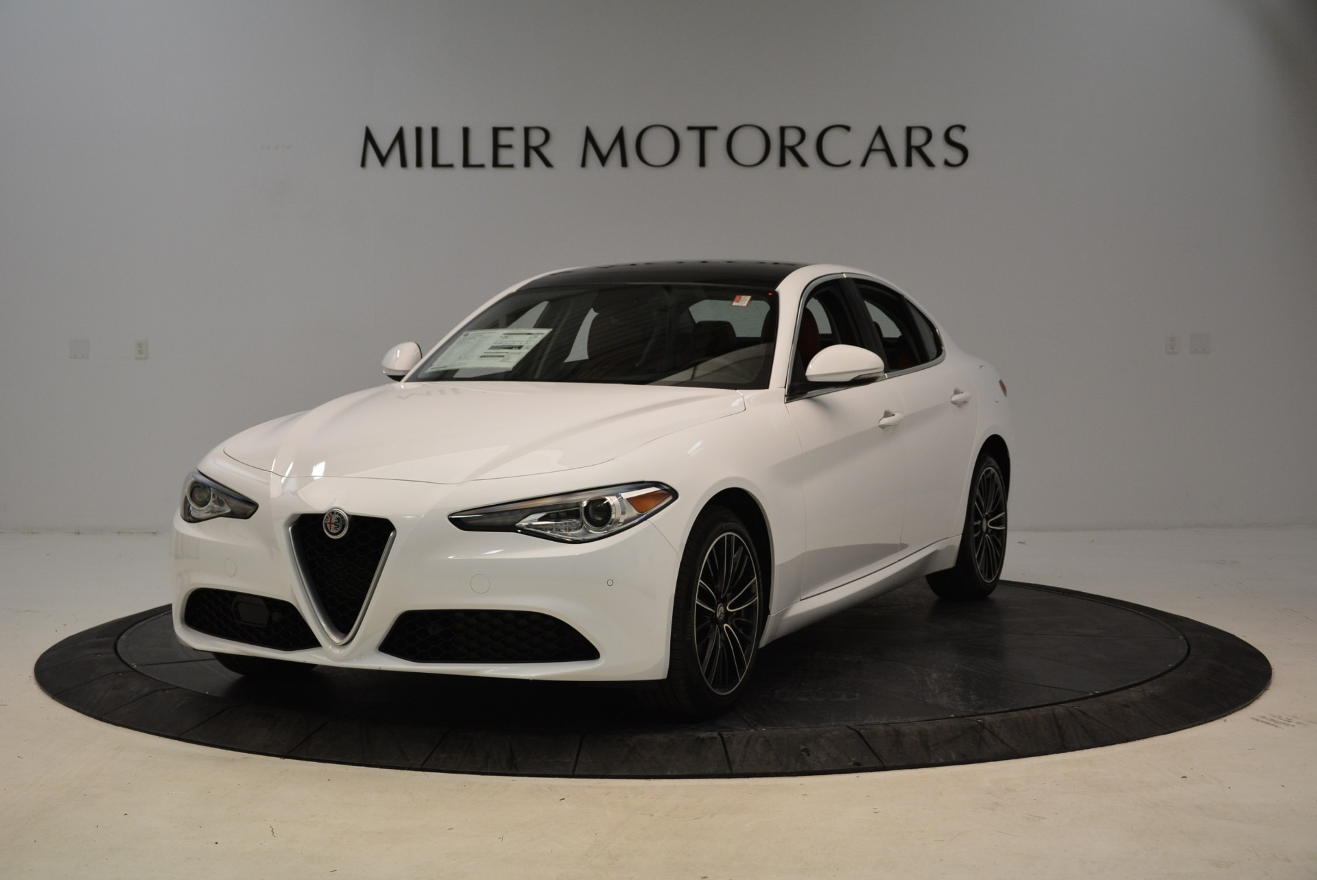 New 2018 Alfa Romeo Giulia Ti Lusso Q4 For Sale In Greenwich, CT. Alfa Romeo of Greenwich, L290