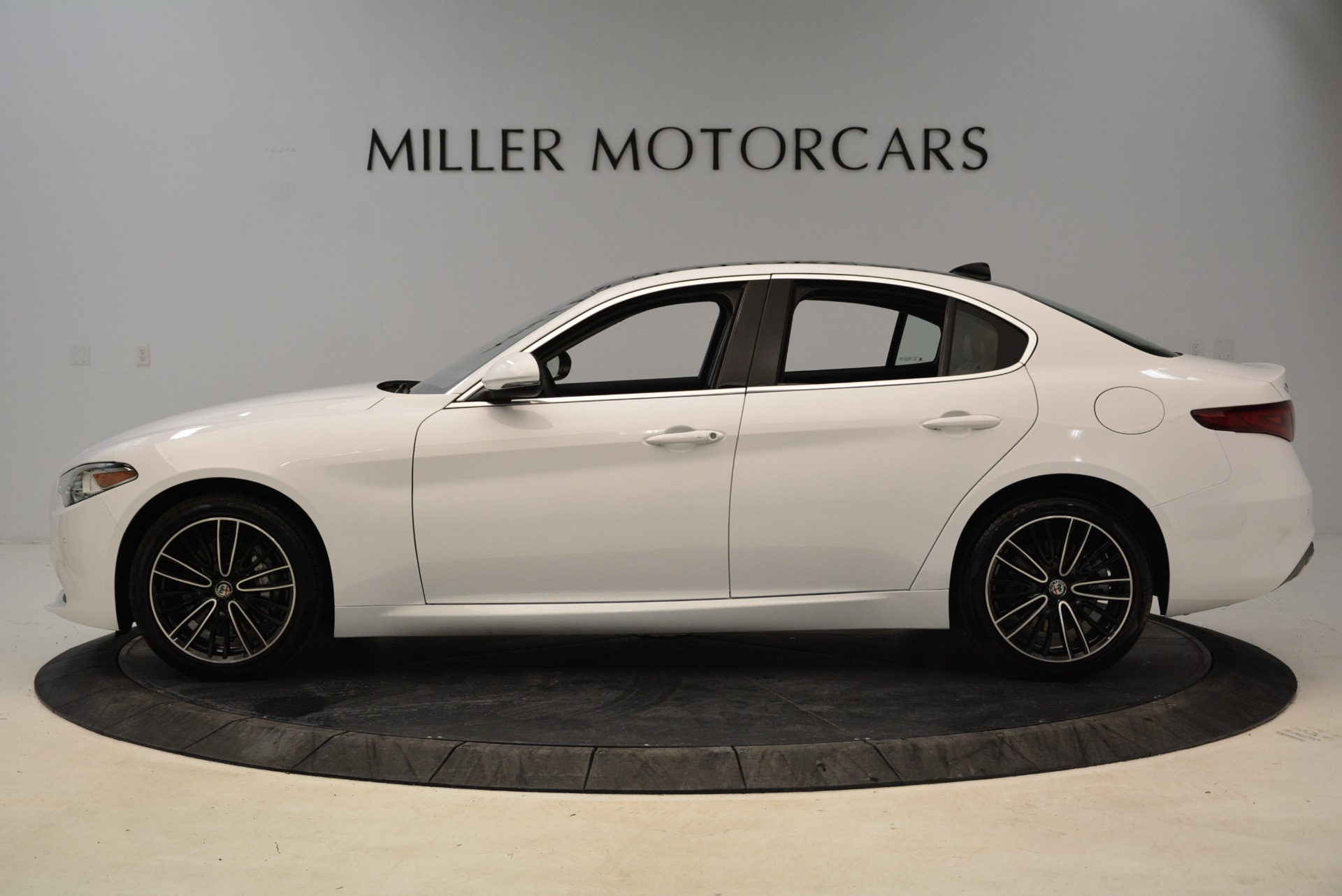 New 2018 Alfa Romeo Giulia Ti Lusso Q4 For Sale In Greenwich, CT. Alfa Romeo of Greenwich, L290 1747_p3