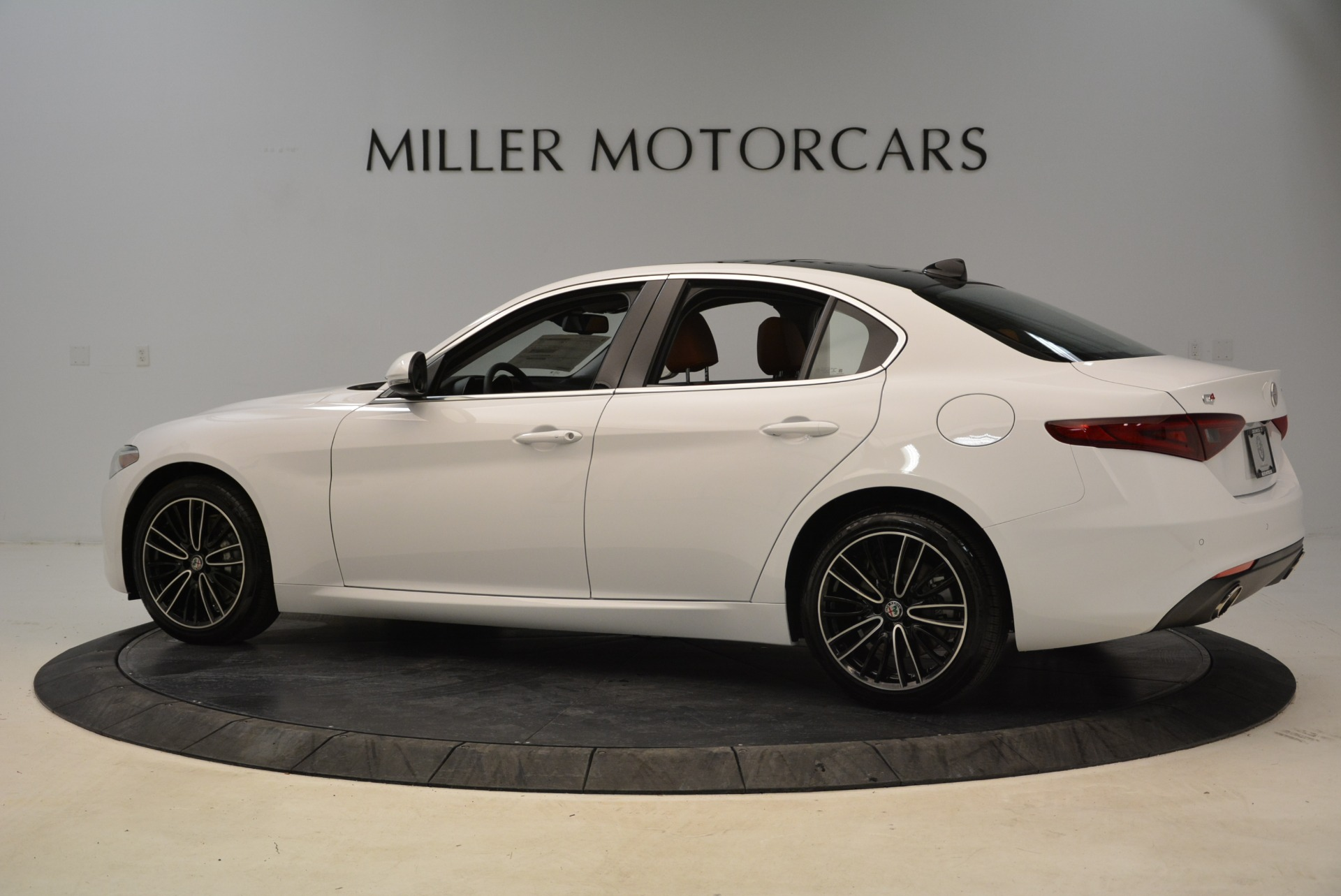 New 2018 Alfa Romeo Giulia Ti Lusso Q4 For Sale In Greenwich, CT. Alfa Romeo of Greenwich, L290 1747_p4