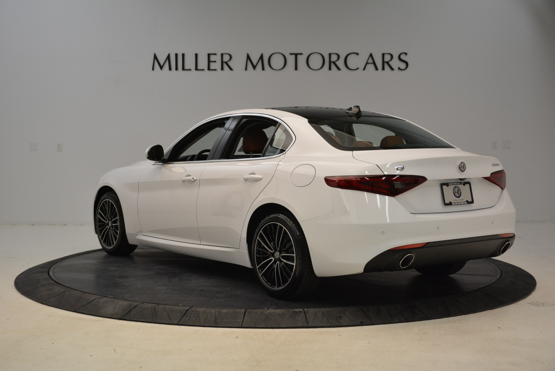 New 2018 Alfa Romeo Giulia Ti Lusso Q4 For Sale In Greenwich, CT. Alfa Romeo of Greenwich, L290 1747_p5