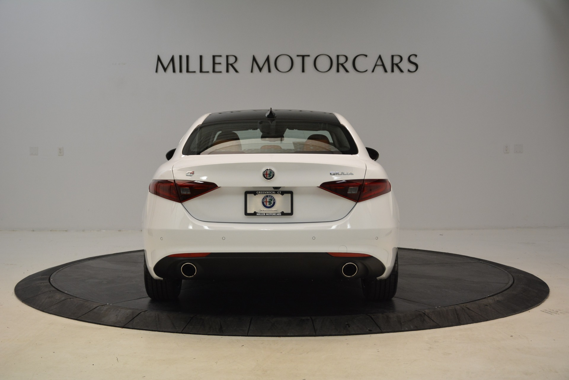 New 2018 Alfa Romeo Giulia Ti Lusso Q4 For Sale In Greenwich, CT. Alfa Romeo of Greenwich, L290 1747_p6