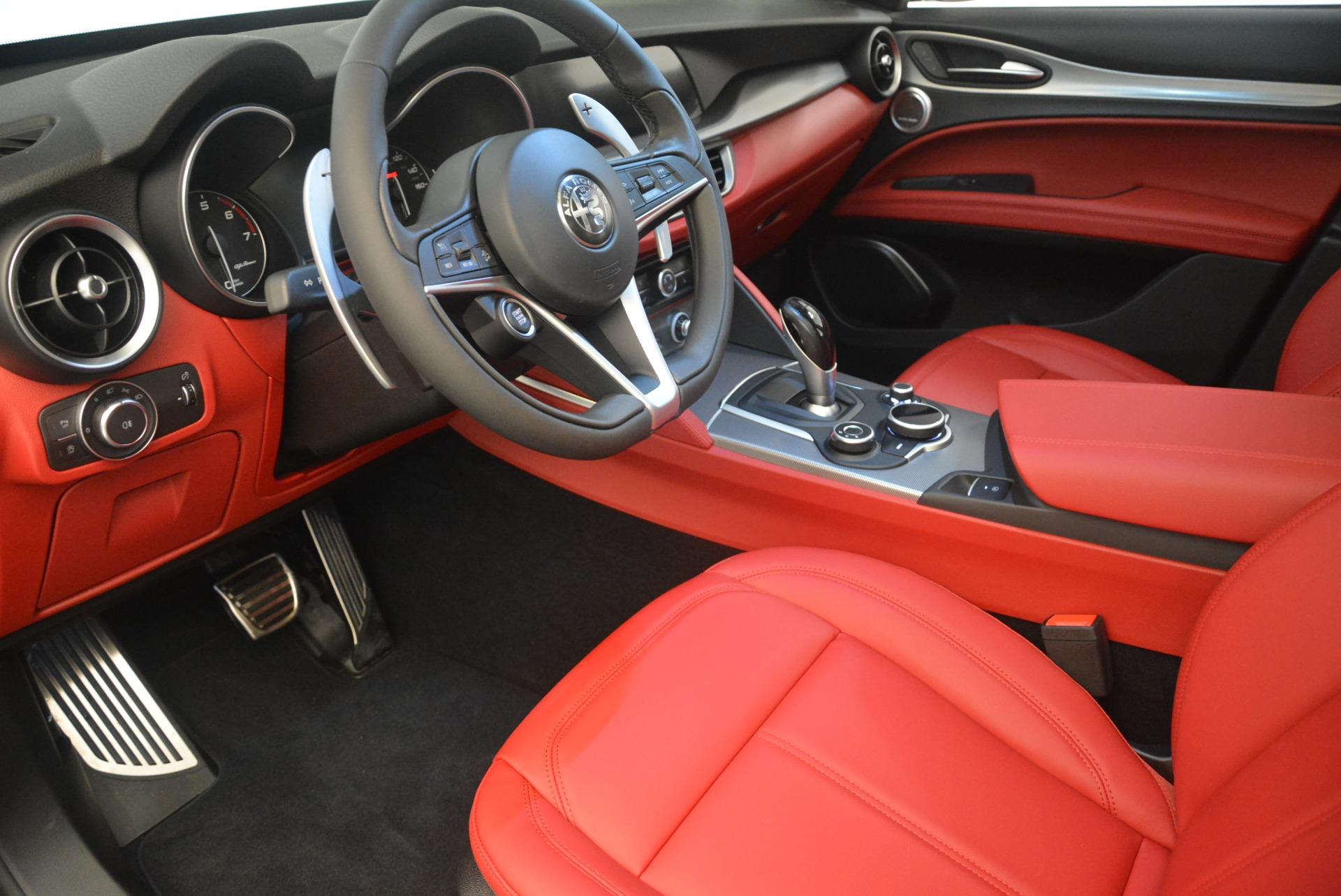 New 2018 Alfa Romeo Stelvio Sport Q4 For Sale In Greenwich, CT. Alfa Romeo of Greenwich, LW080 1761_p13