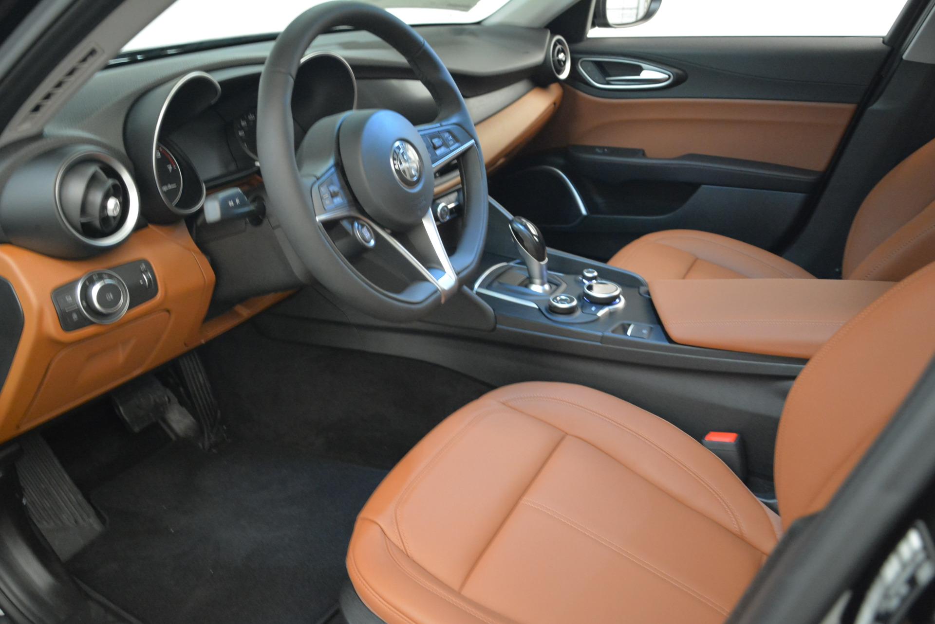 New 2018 Alfa Romeo Giulia Q4 For Sale In Greenwich, CT. Alfa Romeo of Greenwich, LW076 1762_p13