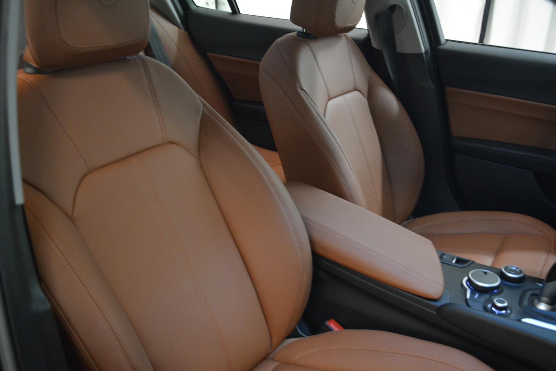 New 2018 Alfa Romeo Giulia Q4 For Sale In Greenwich, CT. Alfa Romeo of Greenwich, LW076 1762_p21